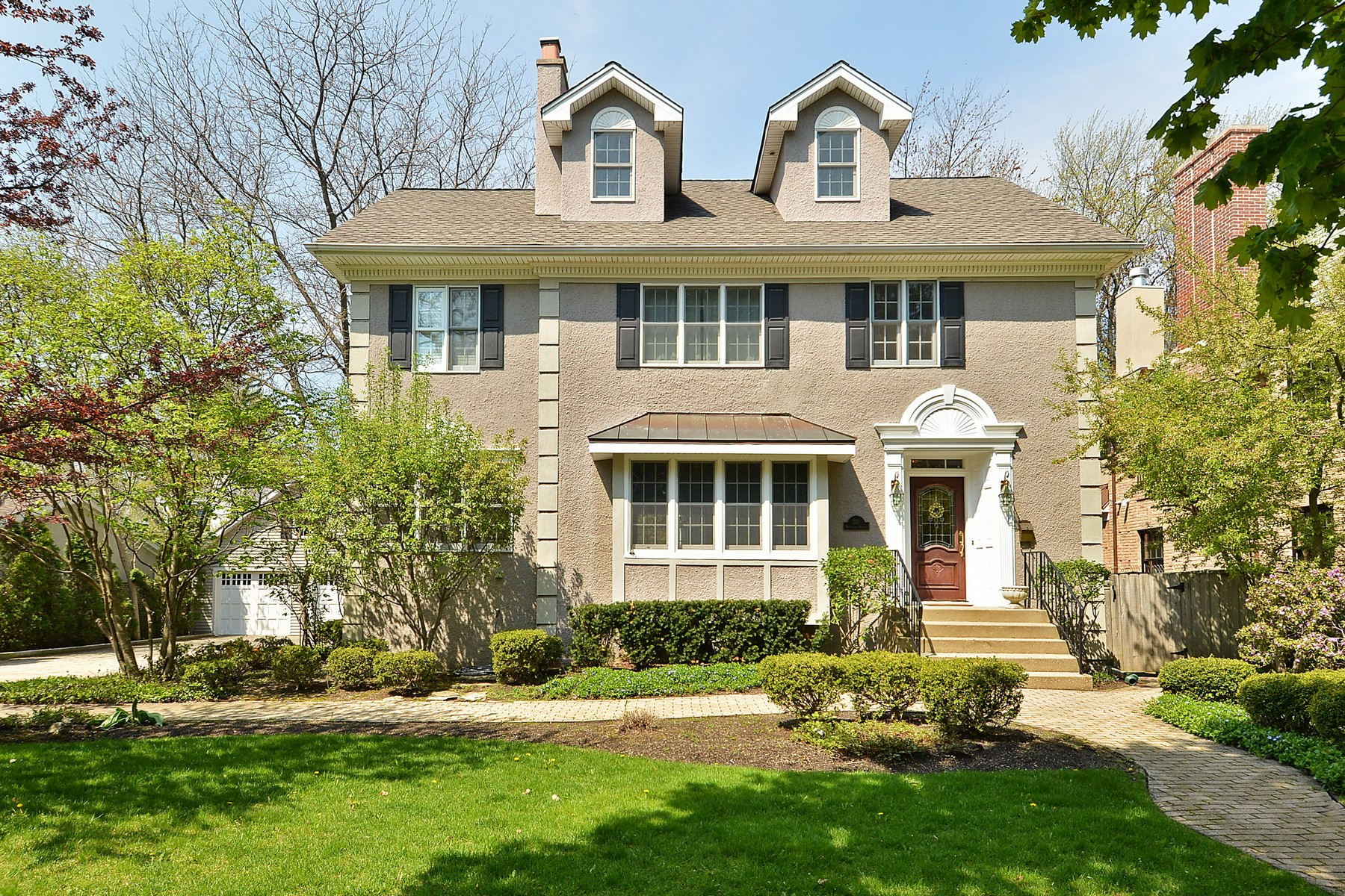 Single Family Home for Rent at Renovated, Perfectly Located East Winnetka Home 310 Woodland Avenue Winnetka, 60093 United States