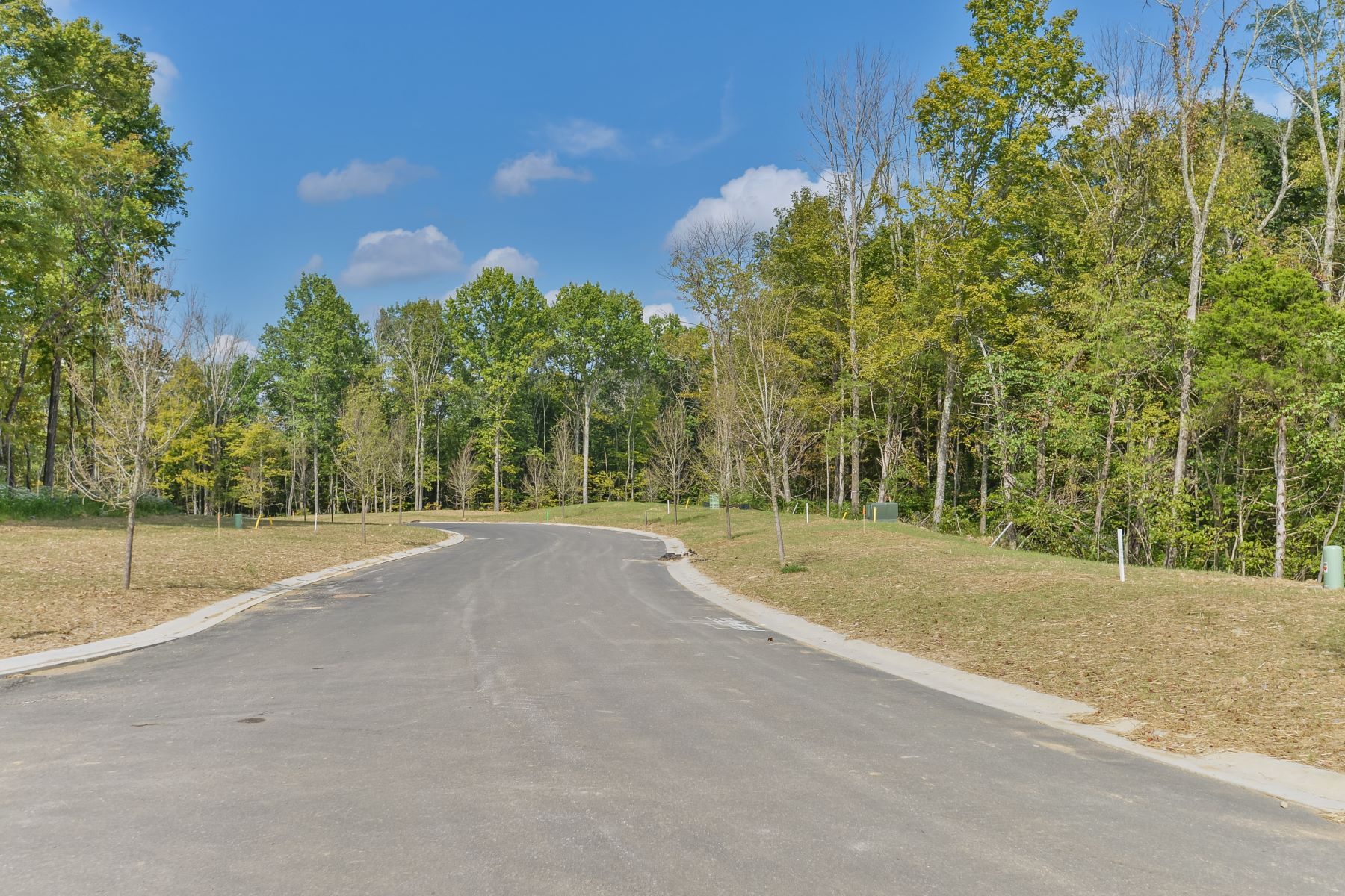 Additional photo for property listing at 35 Shakes Creek Drive  Fisherville, Kentucky 40023 United States