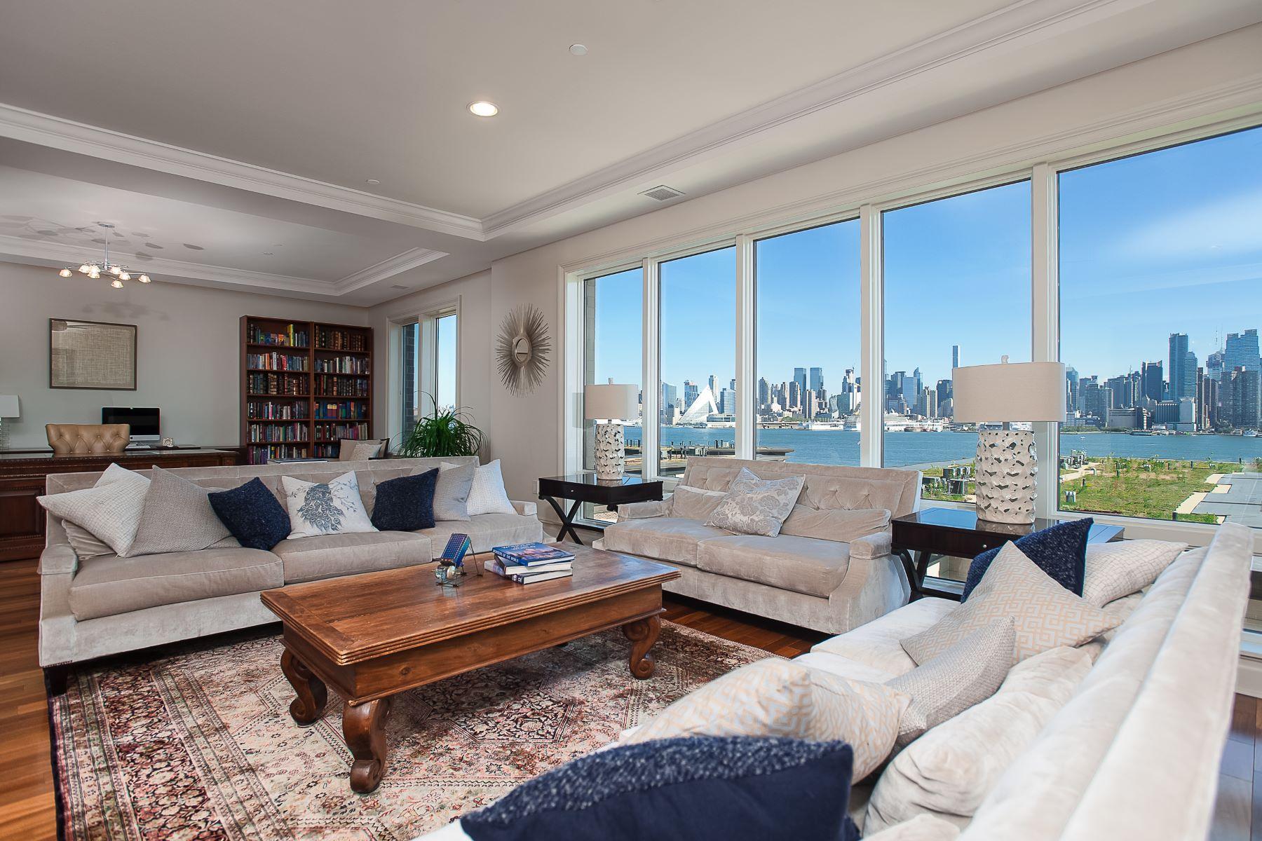 Appartement en copropriété pour l Vente à Henley on the Hudson ~ Waterfront 3BR Penthouse 61 Eton Row Weehawken, New Jersey 07086 États-Unis