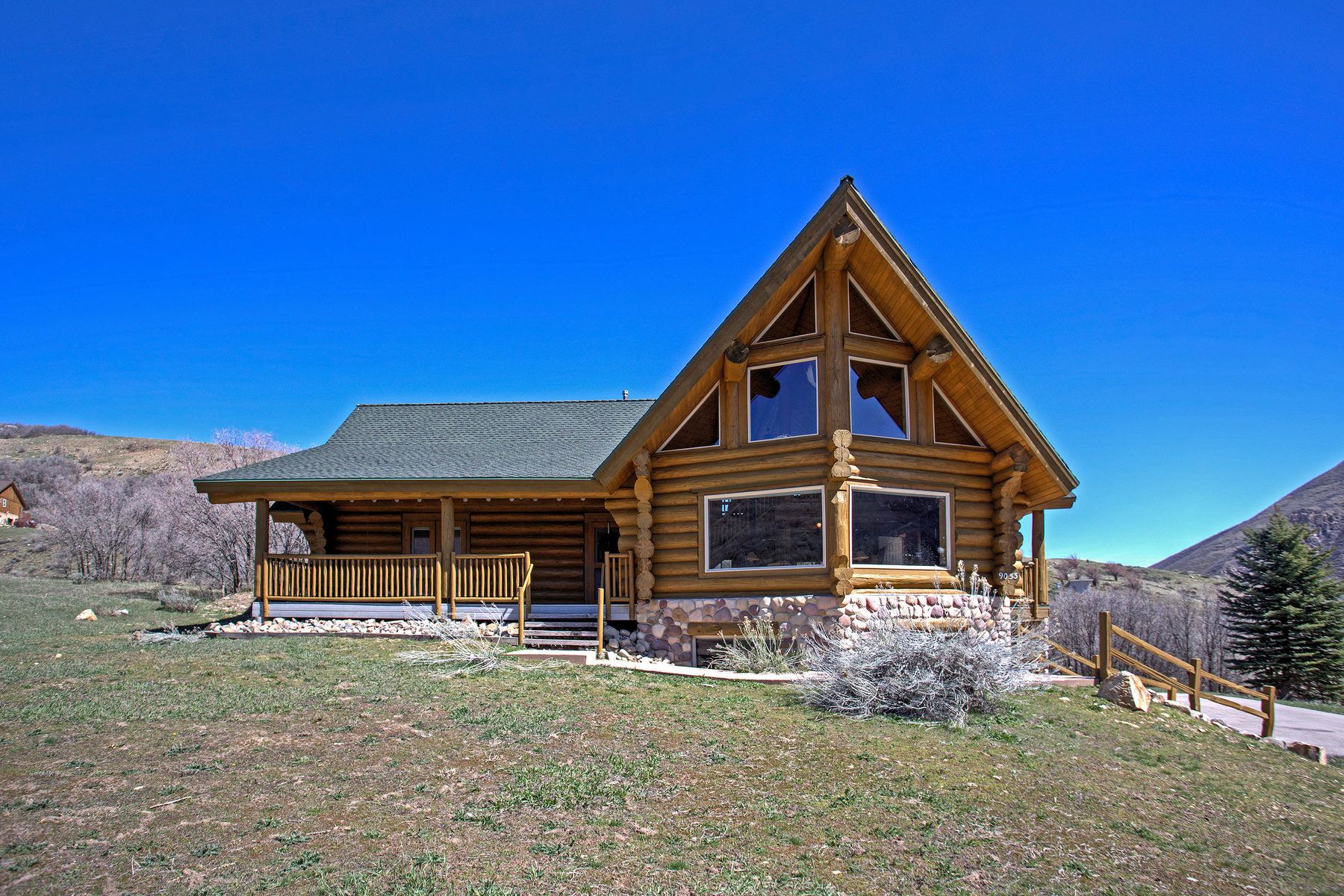 Moradia para Venda às Canyon Meadows Log Home 9053 S Meadow Dr Sundance, Utah, 84604 Estados Unidos