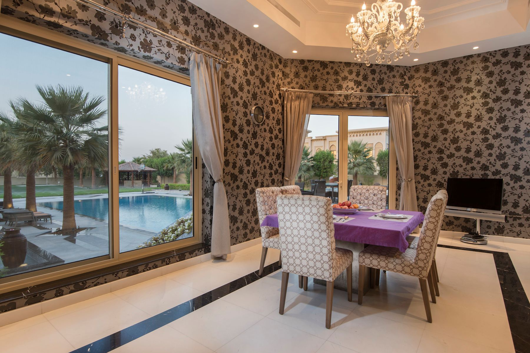 Additional photo for property listing at Majestic Golf Course Mansion Emirates Hills, Dubai, Dubai United Arab Emirates