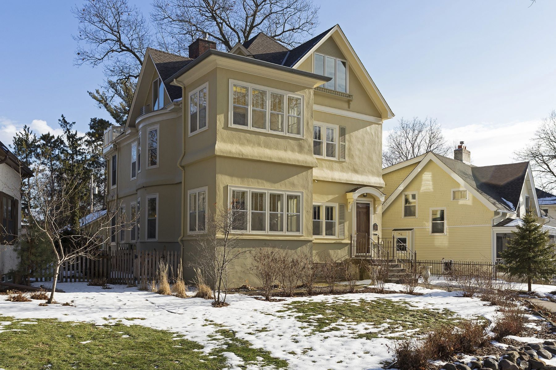 Single Family Home for Sale at 203 Sheridan Ave S 2003 Sheridan Ave S Kenwood, Minneapolis, Minnesota, 55405 United States