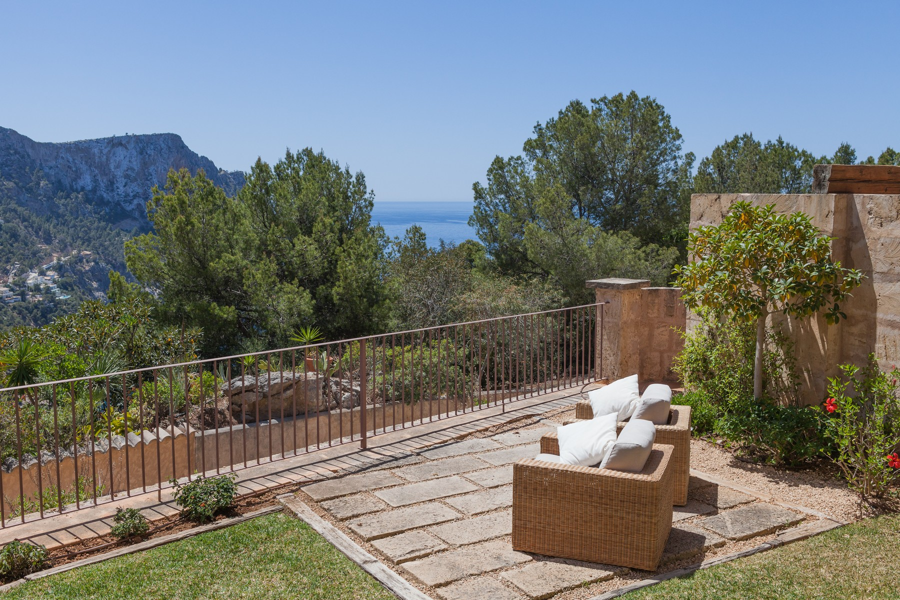 Single Family Home for Sale at Ground floor apartment with garden and views Port Andratx, Mallorca, 07157 Spain