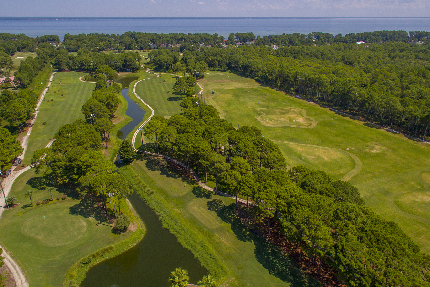 Terrain pour l Vente à RARE GOLF PROPERTY IS LAST OF ITS KIND 12958 W US Highway 98 Miramar Beach, Florida, 32550 États-Unis