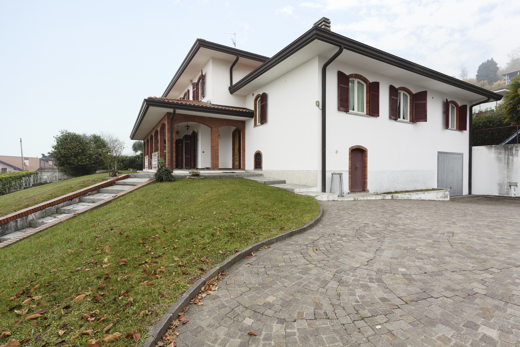 Single Family Home for Sale at Gracious villa overlooking Lake Maggiore Colli Fioriti Other Novara, Novara 28010 Italy