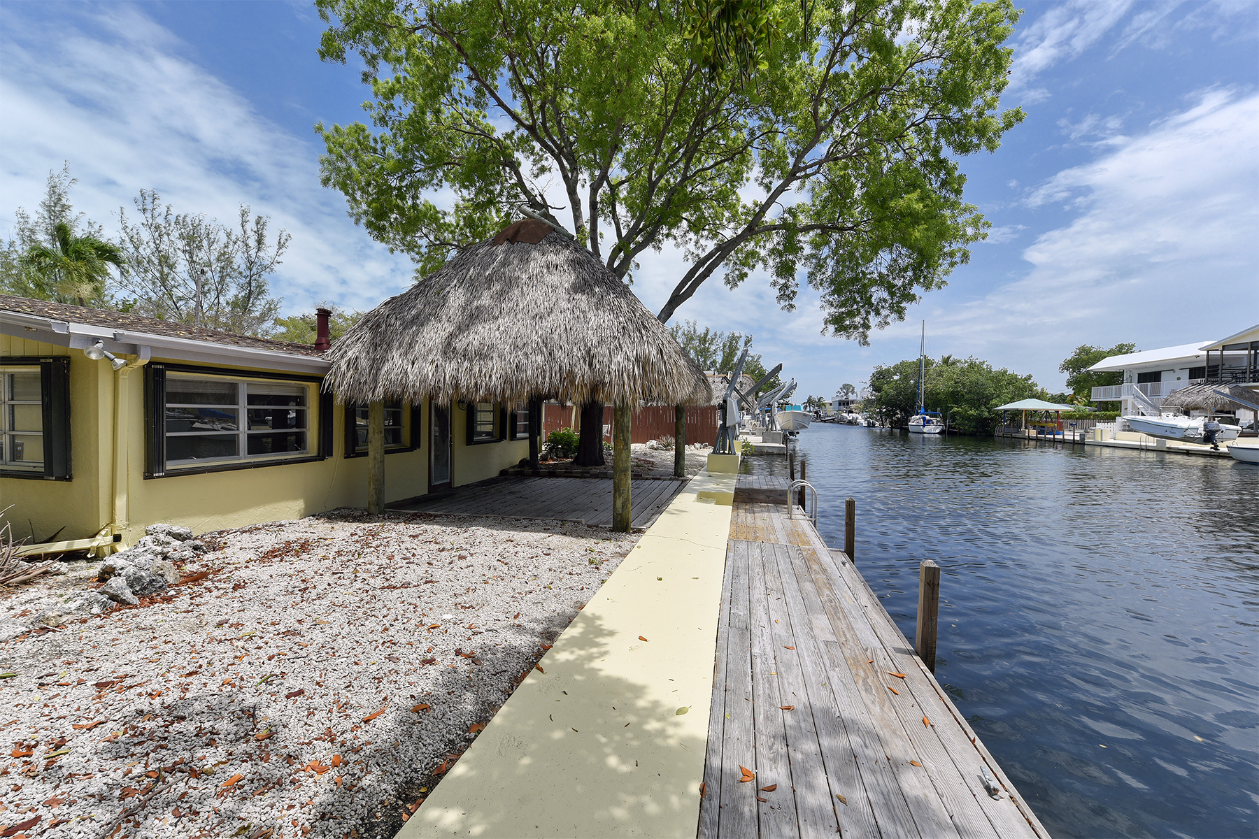Additional photo for property listing at Ground Level Canalfront Home 26 Jean La Fitte Drive Key Largo, Florida 33037 Vereinigte Staaten
