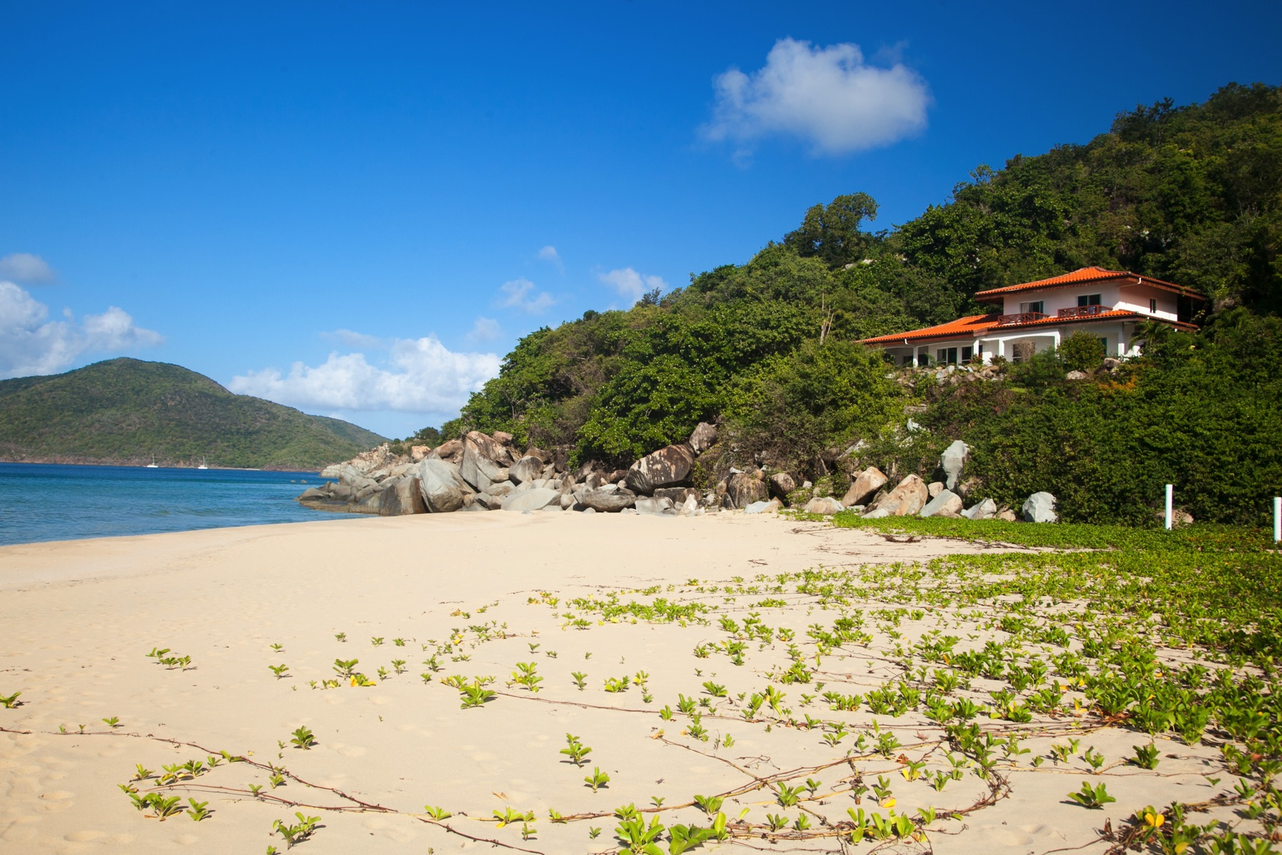 Maison unifamiliale pour l Vente à Villa 28 Flamboyant Lambert Beach, Tortola Iles Vierges Britanniques