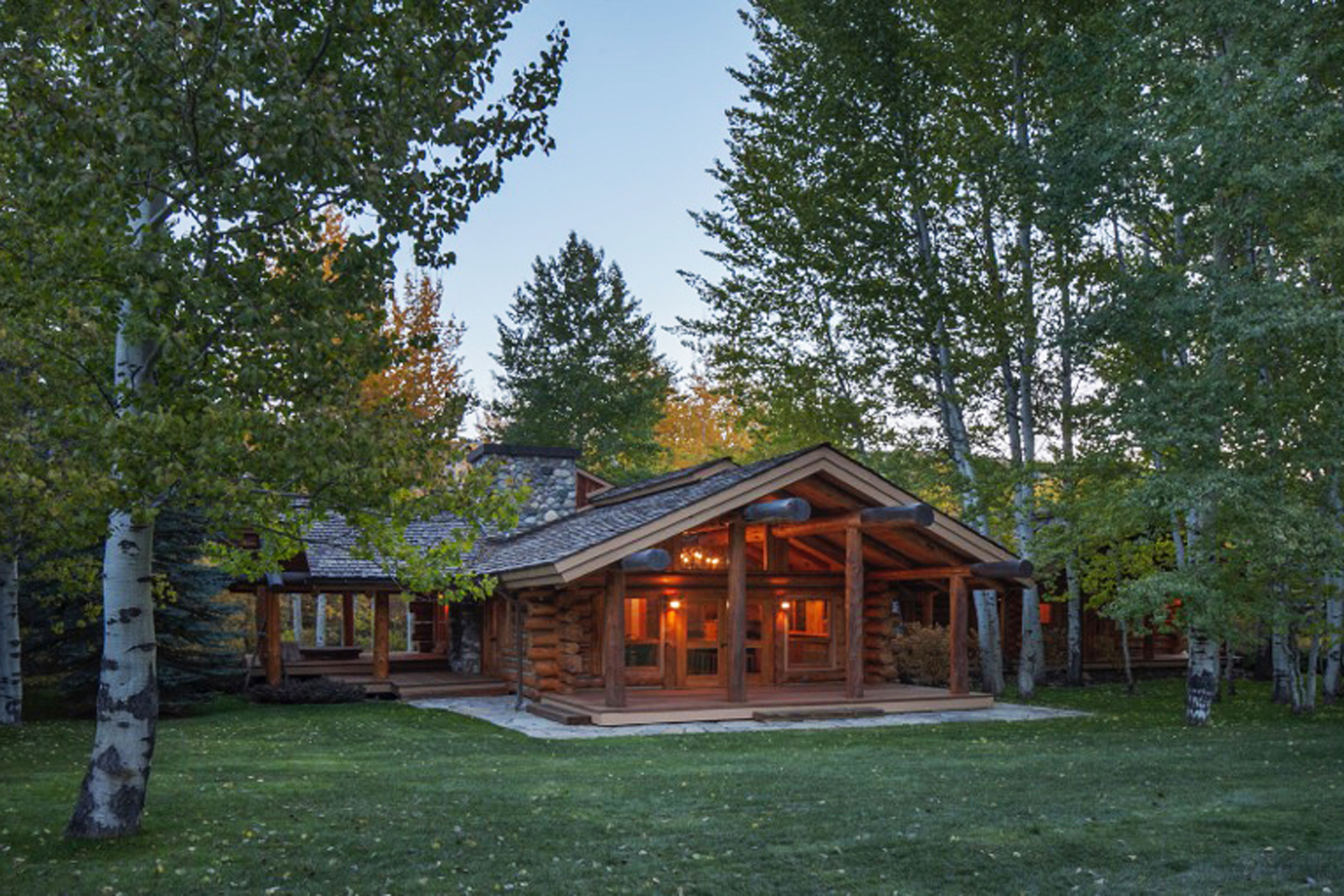 Additional photo for property listing at Chocolate Gulch Getaway 122 Black Bear Road Ketchum, Idaho 83340 United States