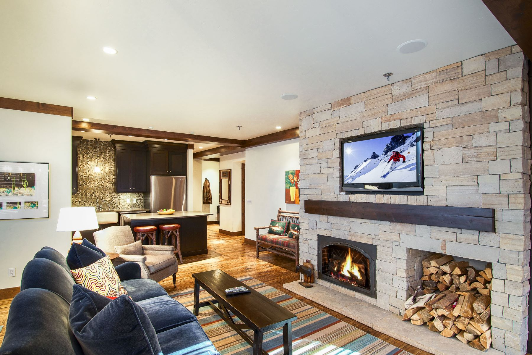 Appartement en copropriété pour l Vente à Larger than Most 425 Wood Road, Unit 20 Snowmass Village, Colorado, 81615 États-Unis