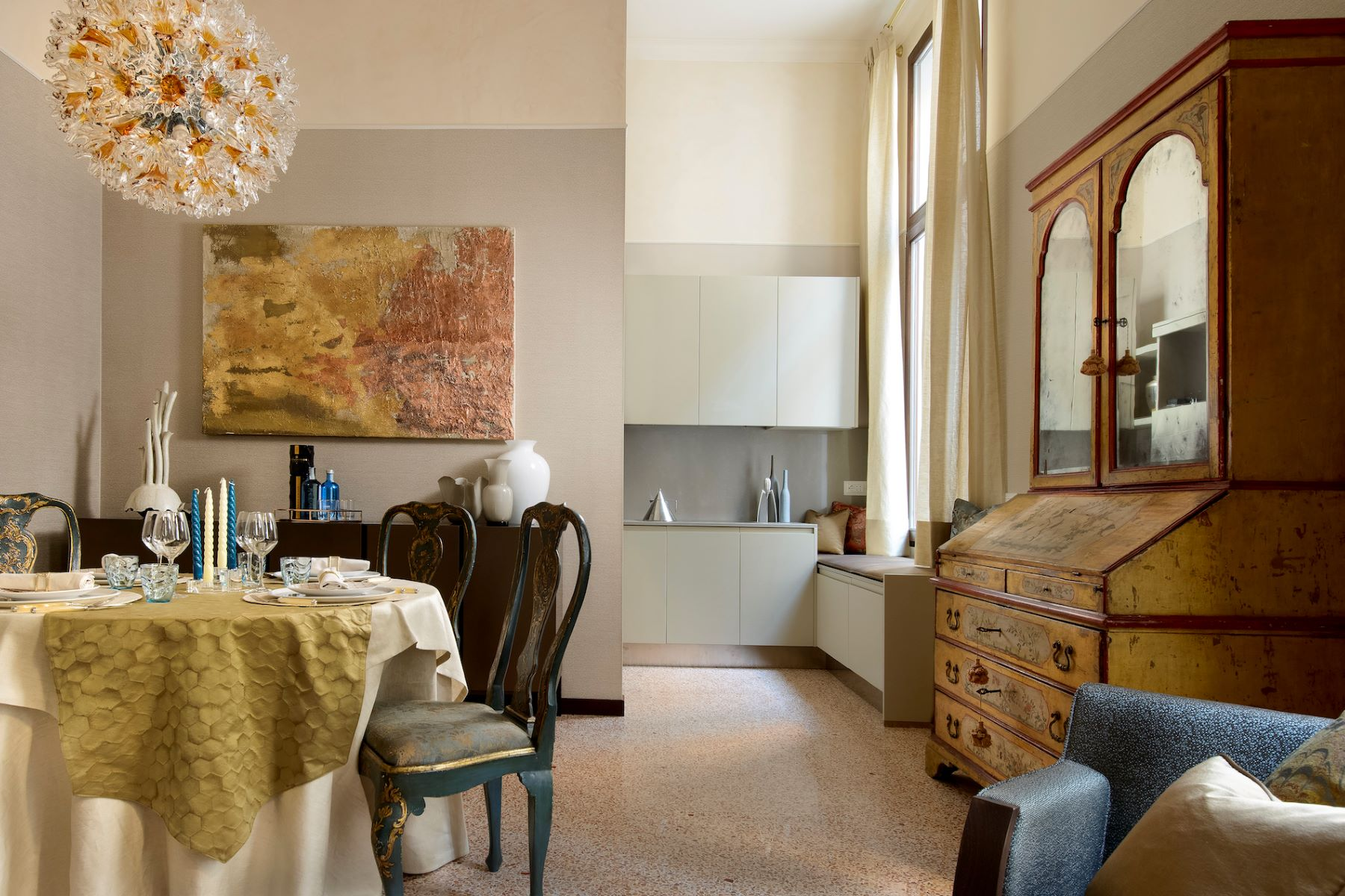 Additional photo for property listing at Vignole apartment at Palazzo Moro Venice Venice Venice, Venice 30124 Italy