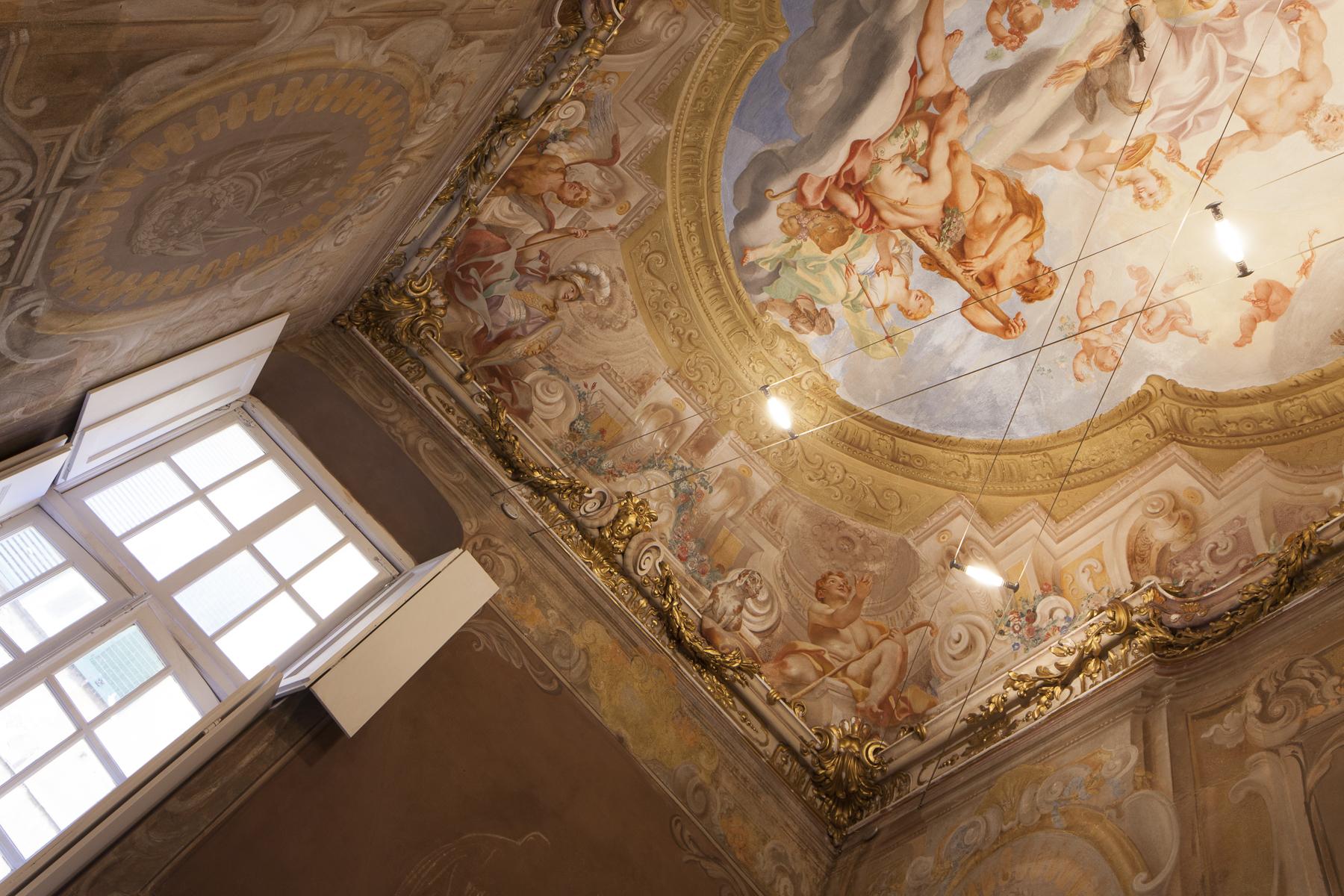 Additional photo for property listing at Highly representative apartment Piazza Ferretto Genoa, Genoa 16123 Italien
