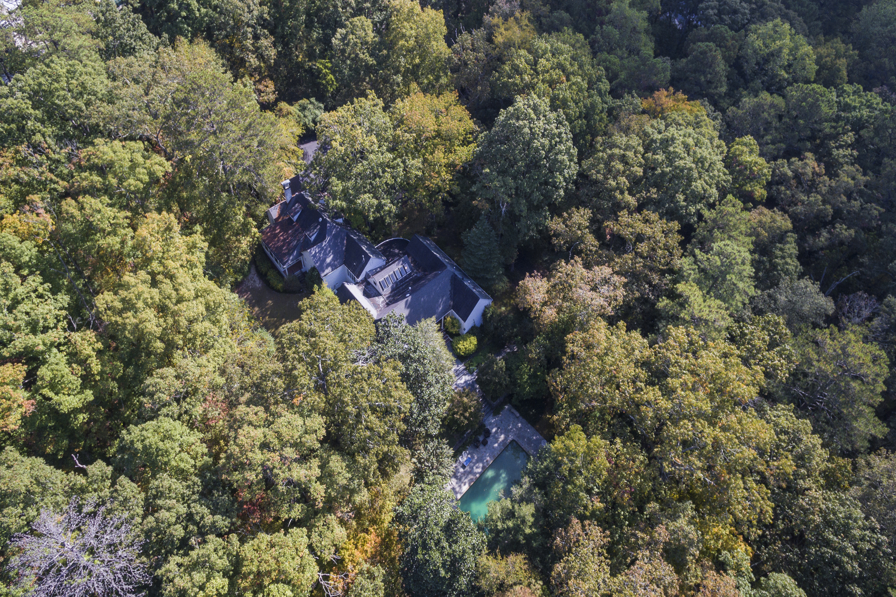Single Family Home for Sale at Charming Private Home On 4.77 Acres 4501 Harris Trail NW Buckhead, Atlanta, Georgia, 30327 United States