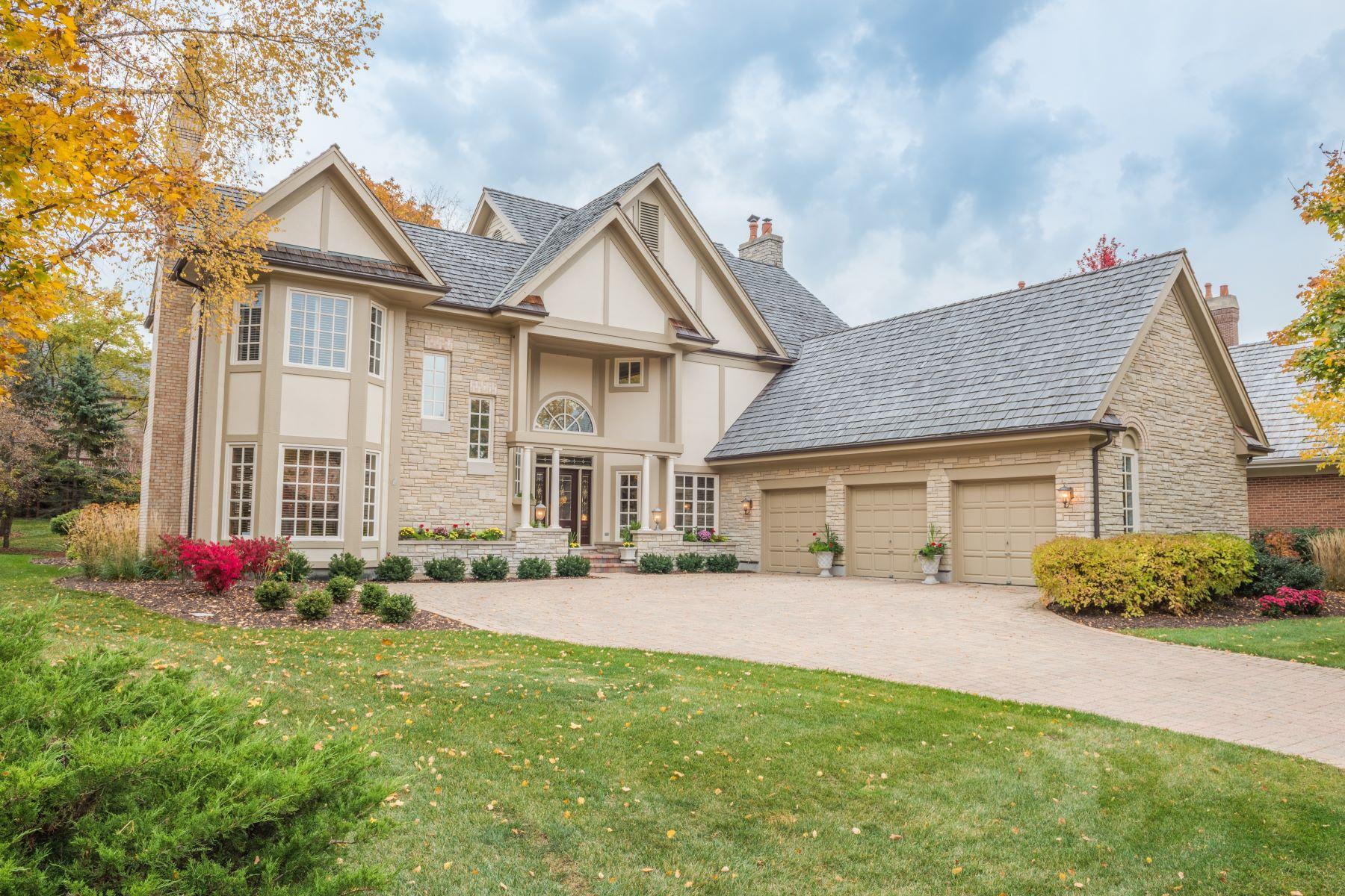 Villa per Vendita alle ore 6 Graystone Court Wynstone North Barrington North Barrington, Illinois, 60010 Stati Uniti