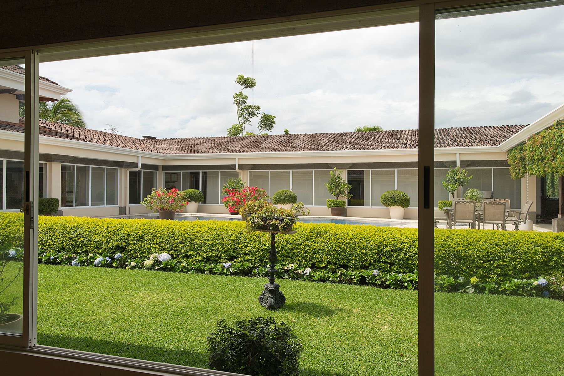 Additional photo for property listing at Casa El Cortijo Santo Domingo, Heredia Costa Rica