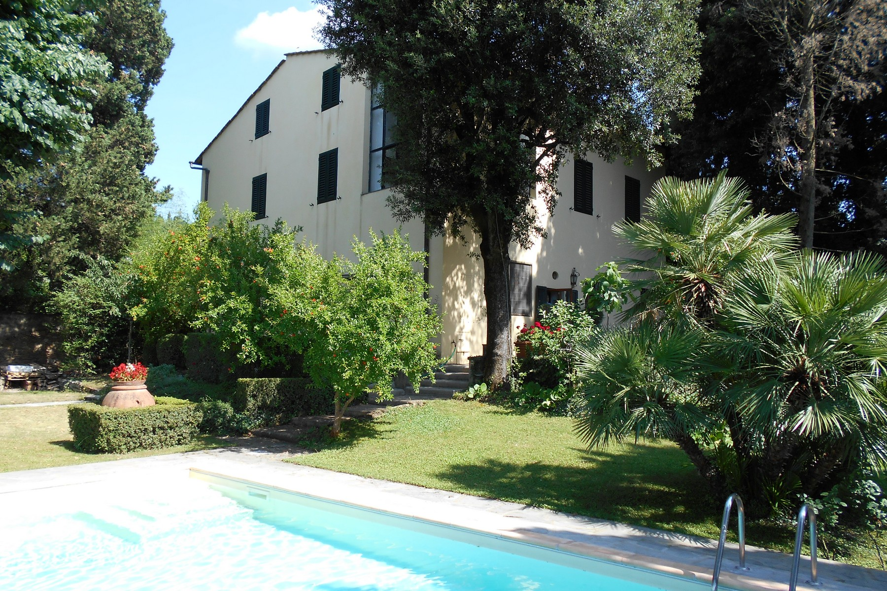 Single Family Home for Sale at Beautiful villa with swimming pool with breathtaking view. Via Lonchio Antella Bagno A Ripoli, 50012 Italy