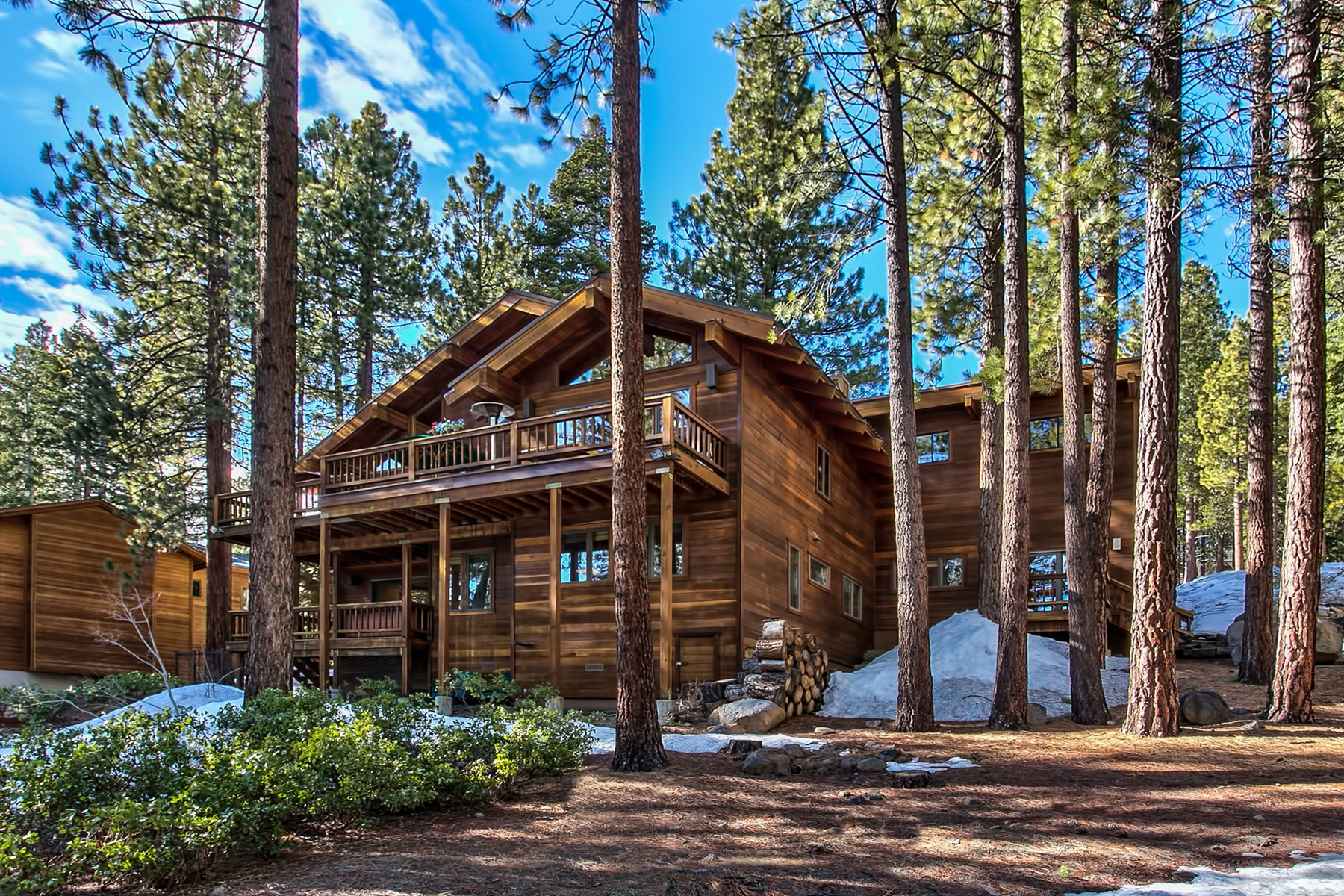 独户住宅 为 销售 在 800 Tyner Way Incline Village, 内华达州, 89451 Lake Tahoe, 美国
