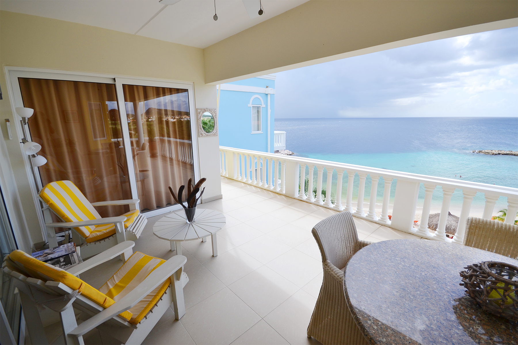 Apartamento por un Venta en Blue Bay Ocean Front Penthouse Brisa Other Cities In Curacao, Cities In Curacao Curacao