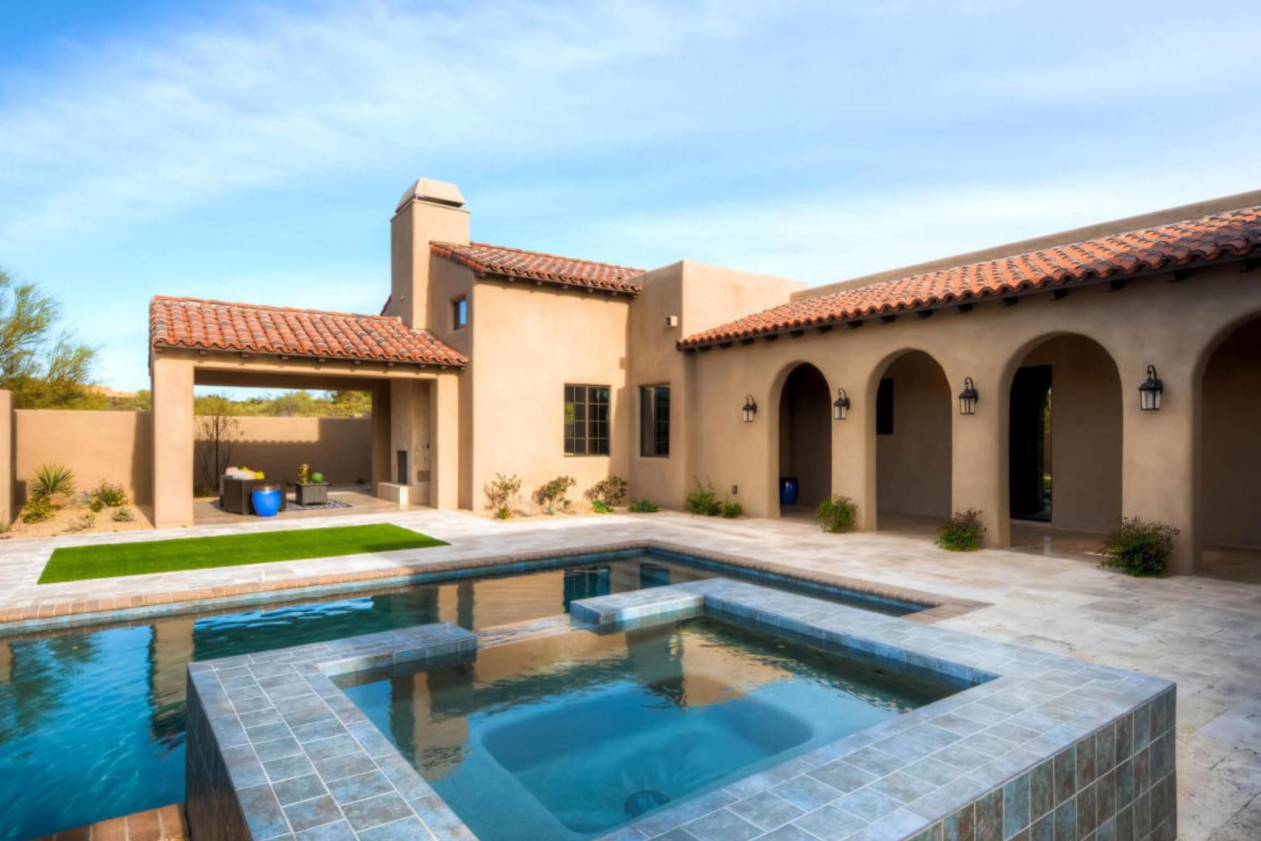 Maison unifamiliale pour l Vente à Beautiful Santa Barbara Mediterranean style home 38425 N 102nd St Scottsdale, Arizona, 85262 États-Unis