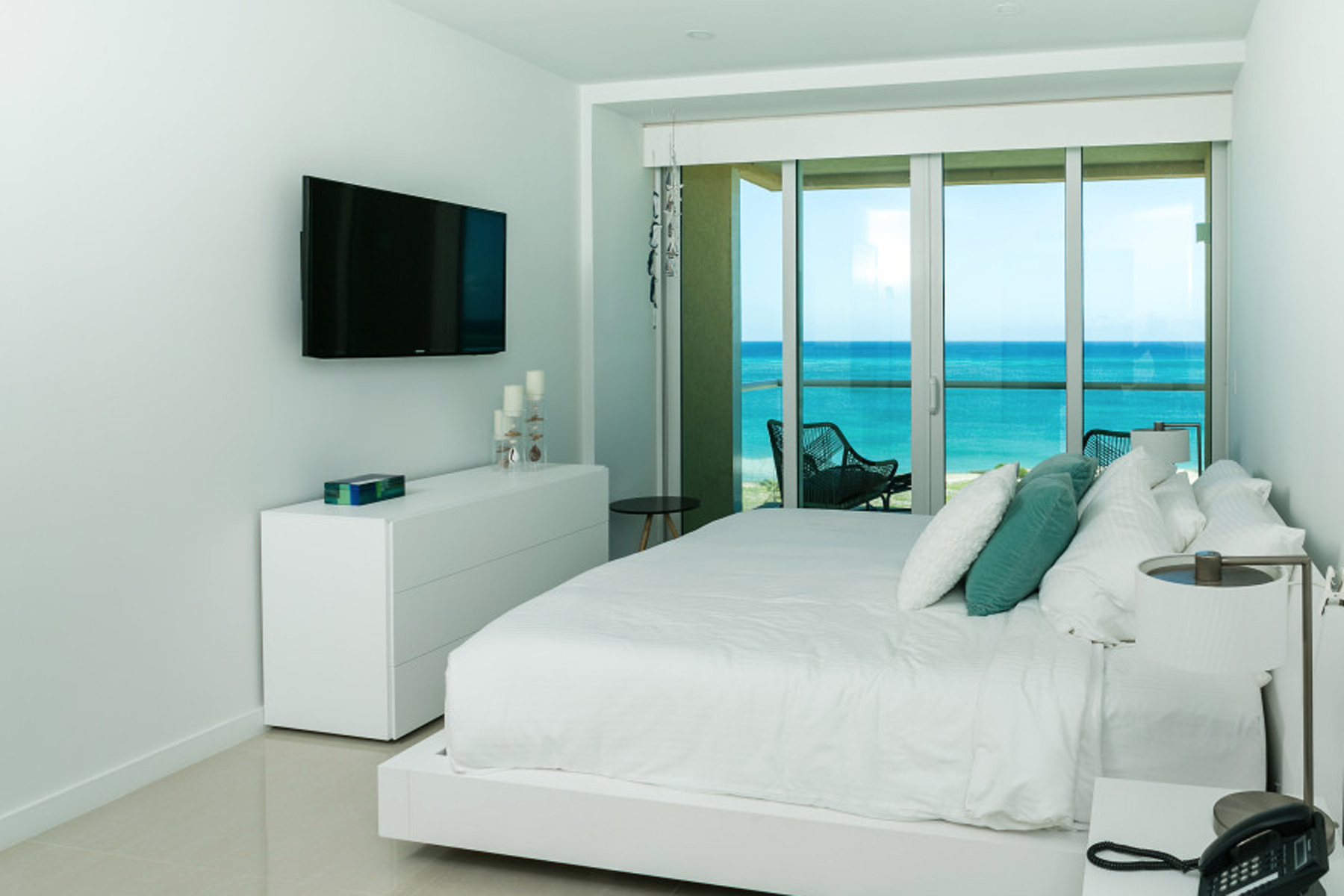 Additional photo for property listing at Azure Residences Penthouse Eagle Beach, Aruba Aruba