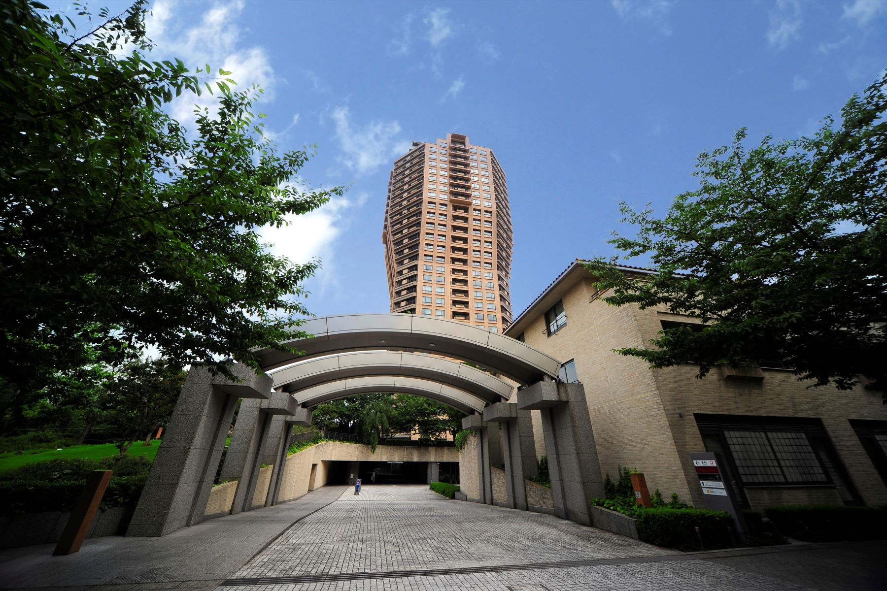 Piso por un Venta en Motoazabu Hills Forest Tower Minato-Ku, Tokyo, Japón