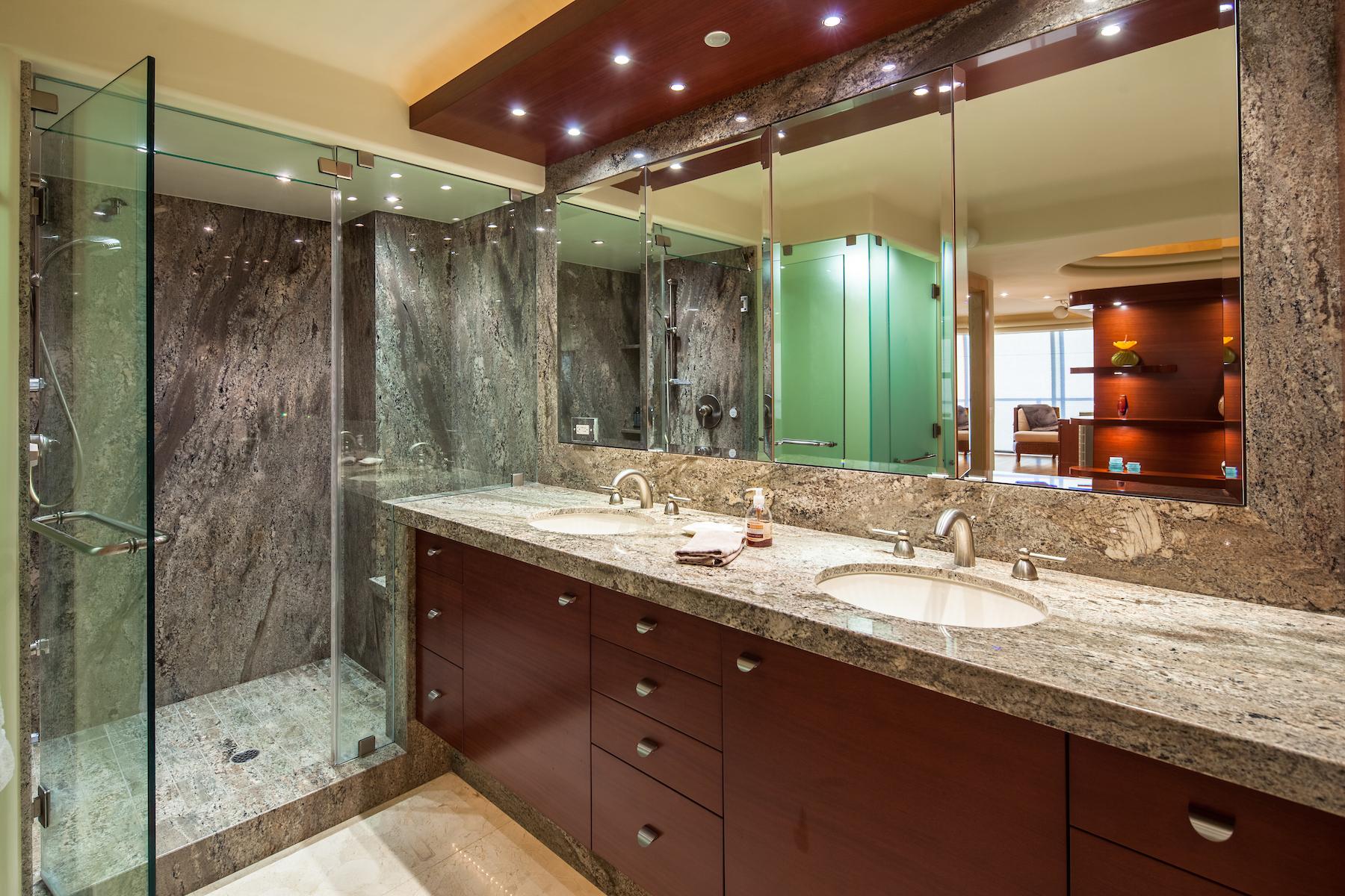 Additional photo for property listing at 1780 Avenida Del Mundo #407  Coronado, Californie 92118 États-Unis