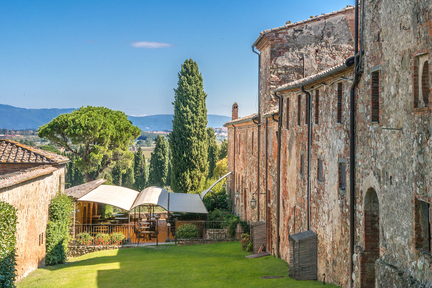 Additional photo for property listing at Incroyable  Boutique-Hotel dans le Chianti Siennois Sinalunga Sinalunga, Siena 53100 Italie