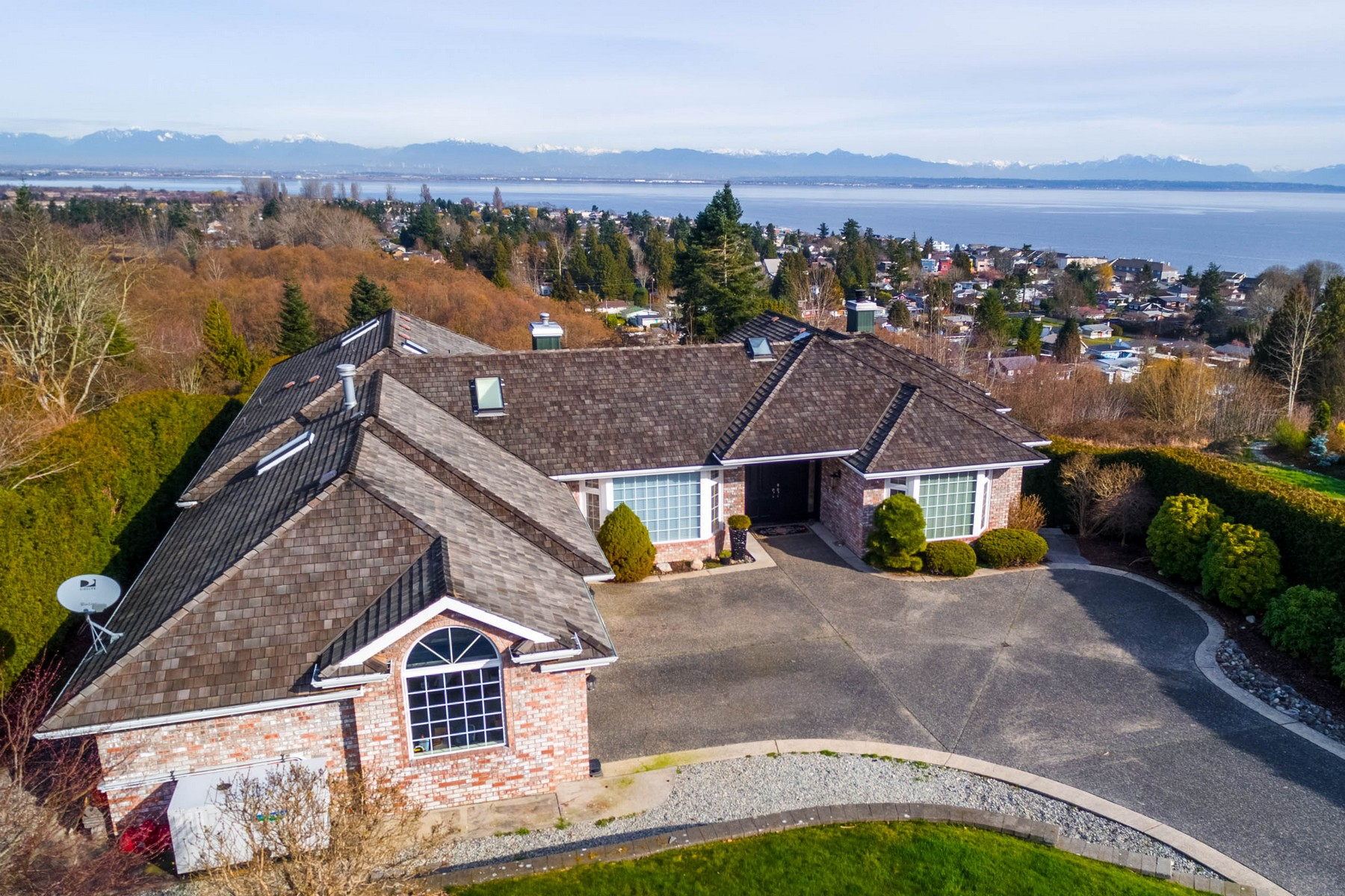 Maison unifamiliale pour l Vente à Majestic Manor in Point Roberts, Washington 2112 Whalen Drive Point Roberts, Washington 98281 États-Unis