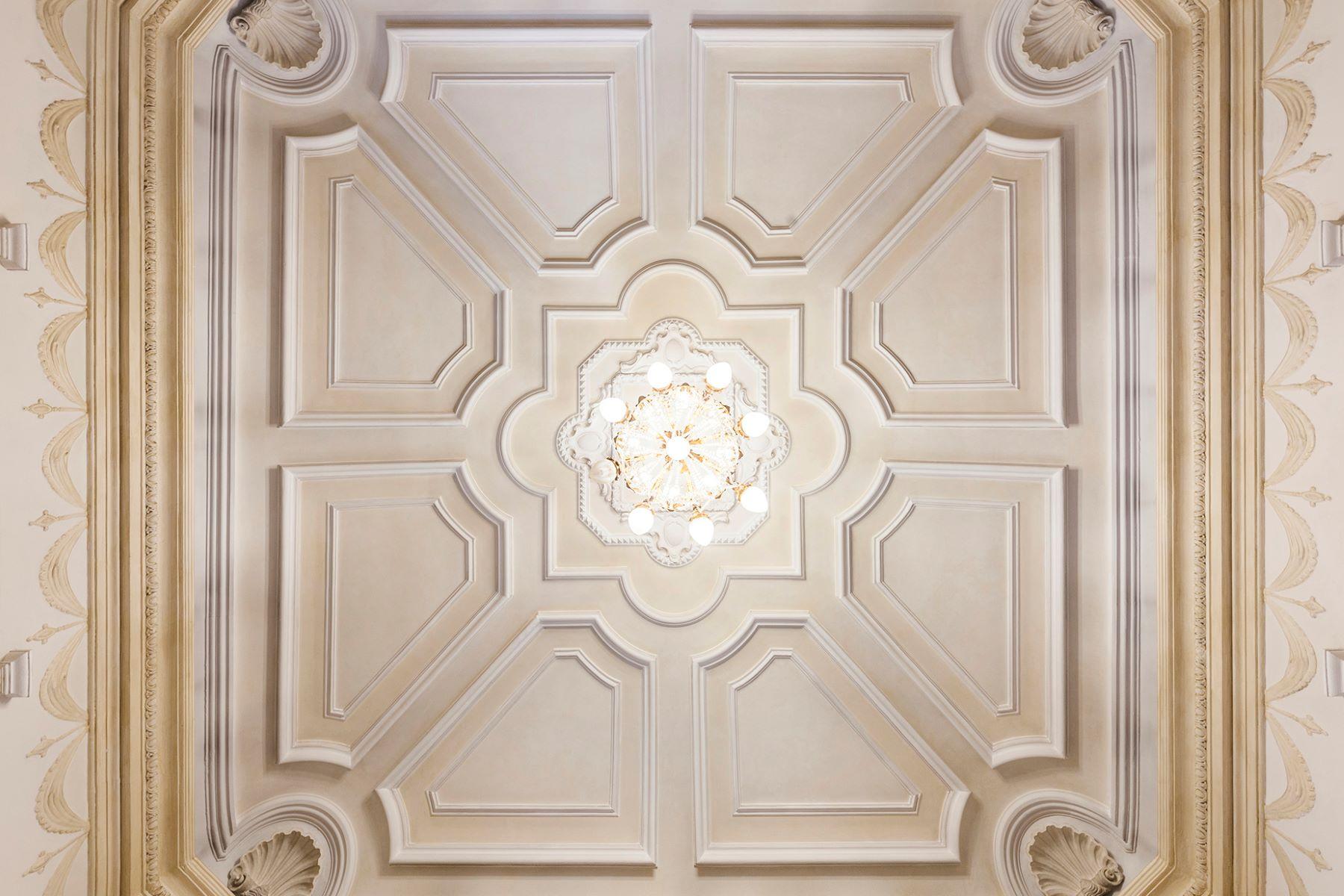 Additional photo for property listing at Majestic Art Deco Villa in Rome's City Center Via Piemonte Rome, Rome 00187 Italy