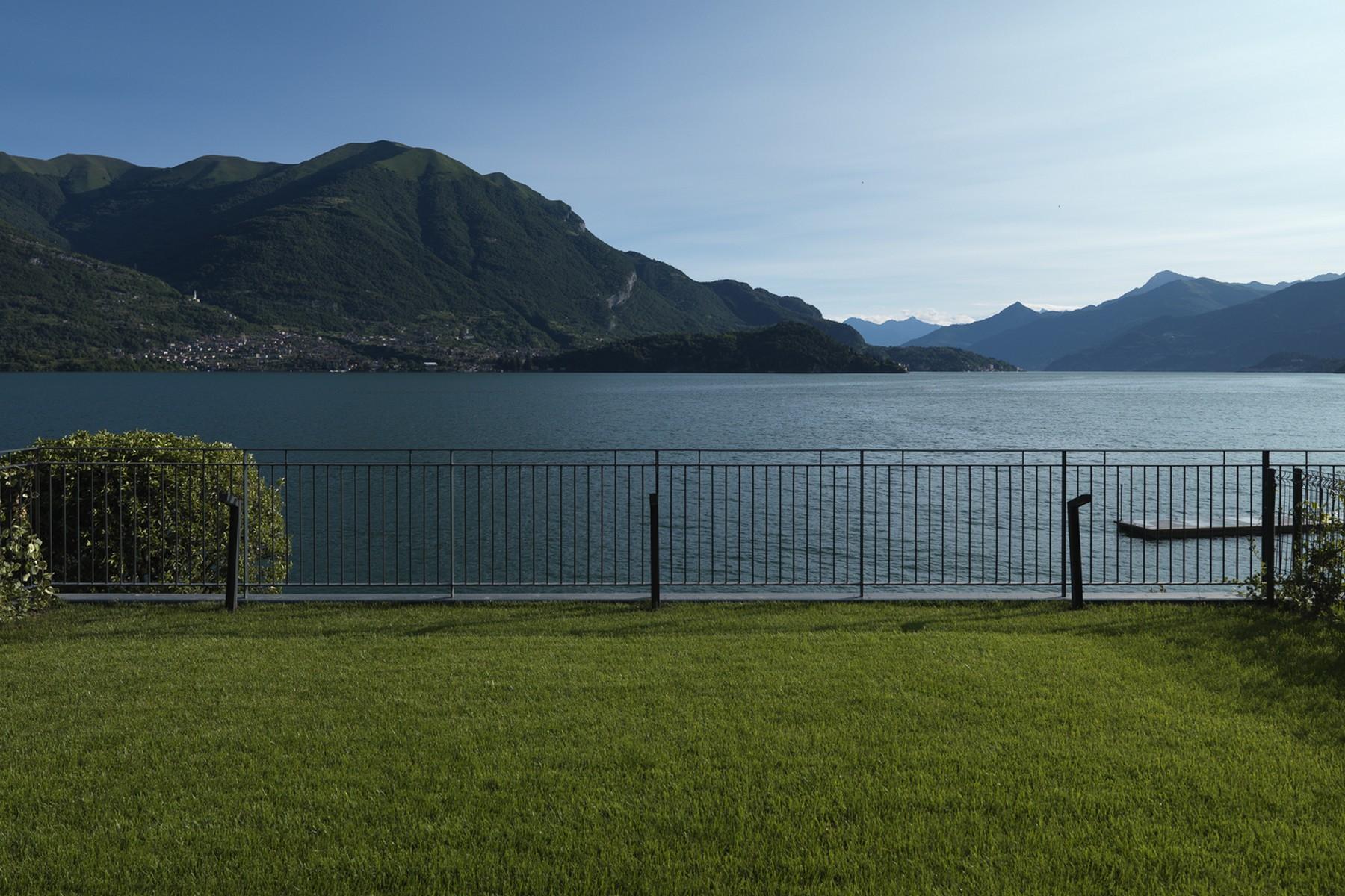 Additional photo for property listing at Splendid semi-independent villa directly on the lake Località Bagnana Lezzeno, Como 22025 Italy