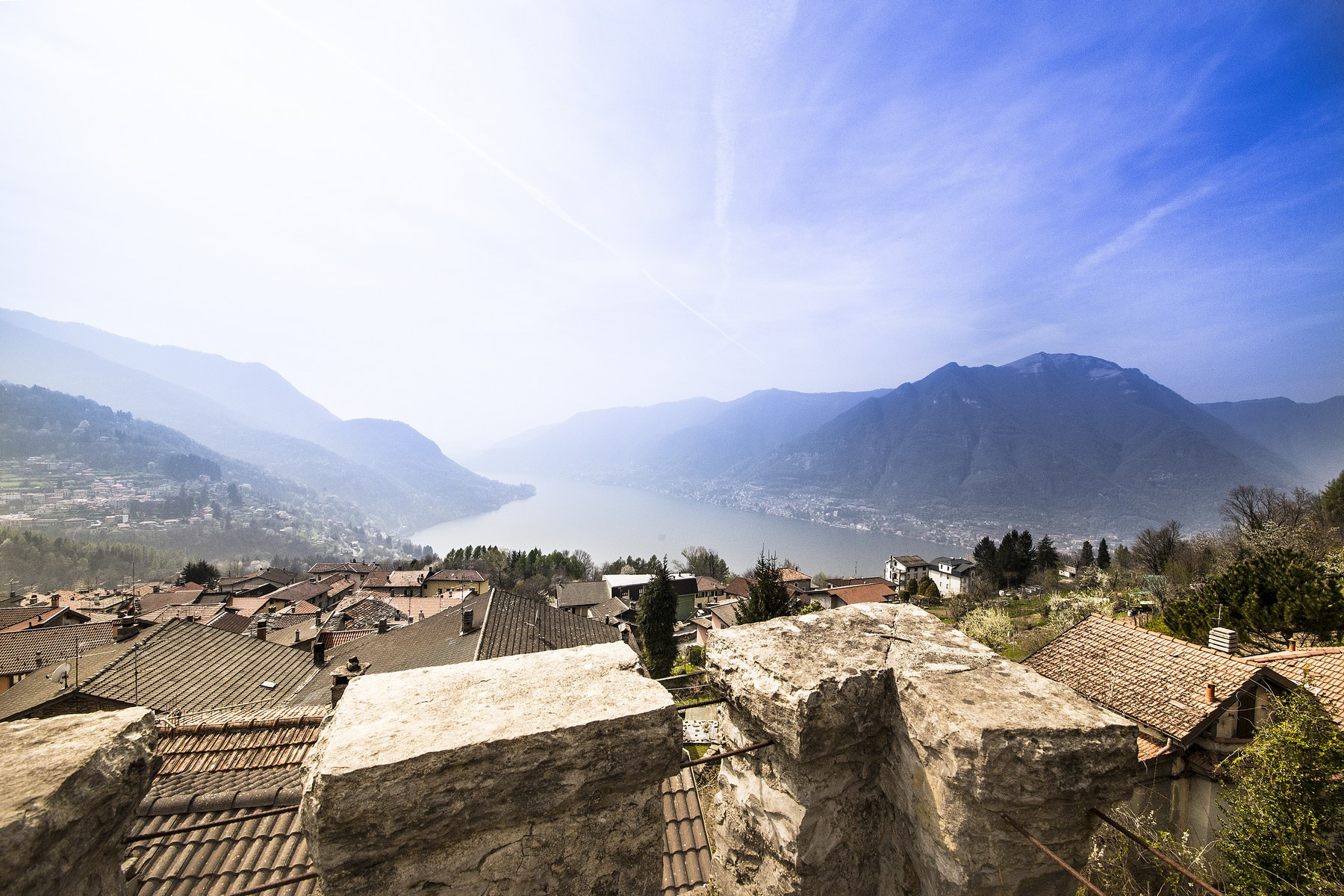 Additional photo for property listing at Ancient Castle of Palanzo Via Monte Palanzone Faggeto Lario, Como 22020 Italie