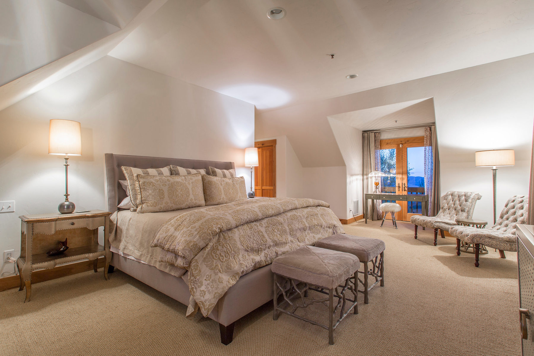 Additional photo for property listing at The Takeley Barn, Ultra Rare, Irreplaceable Rustic Chic in The Aerie 1403 Eagle Way Park City, Utah 84060 United States