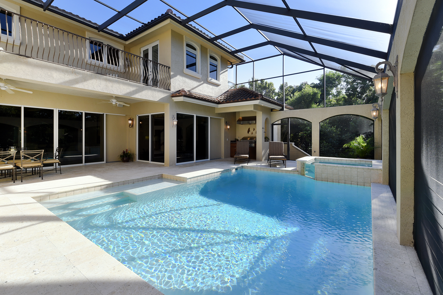Additional photo for property listing at Elegant Lakefront Home at Ocean Reef 422 South Harbor Drive Key Largo, Florida 33037 United States