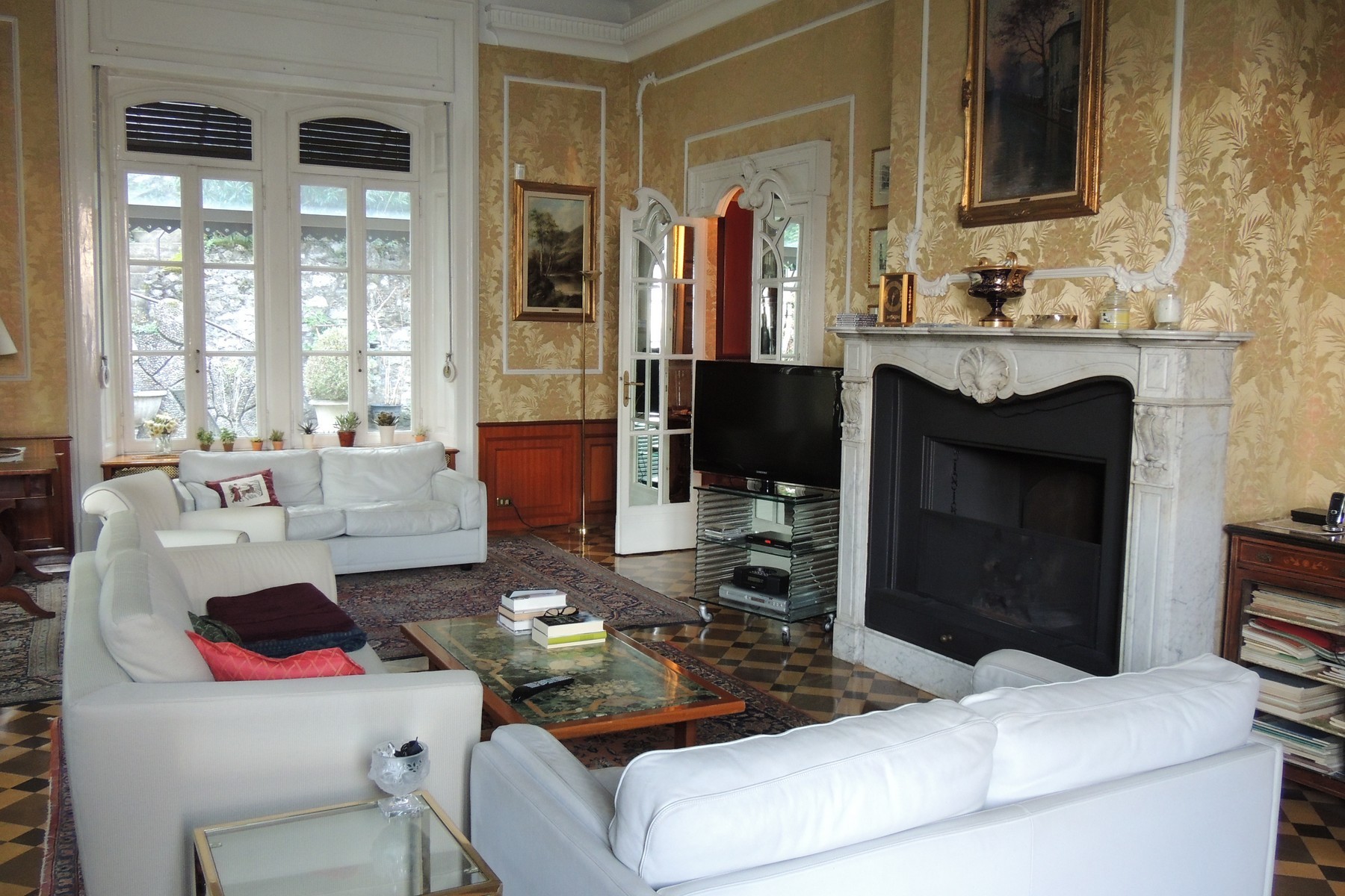 Additional photo for property listing at Majestic liberty villa on Lake Como  Como, Como 22100 Italien