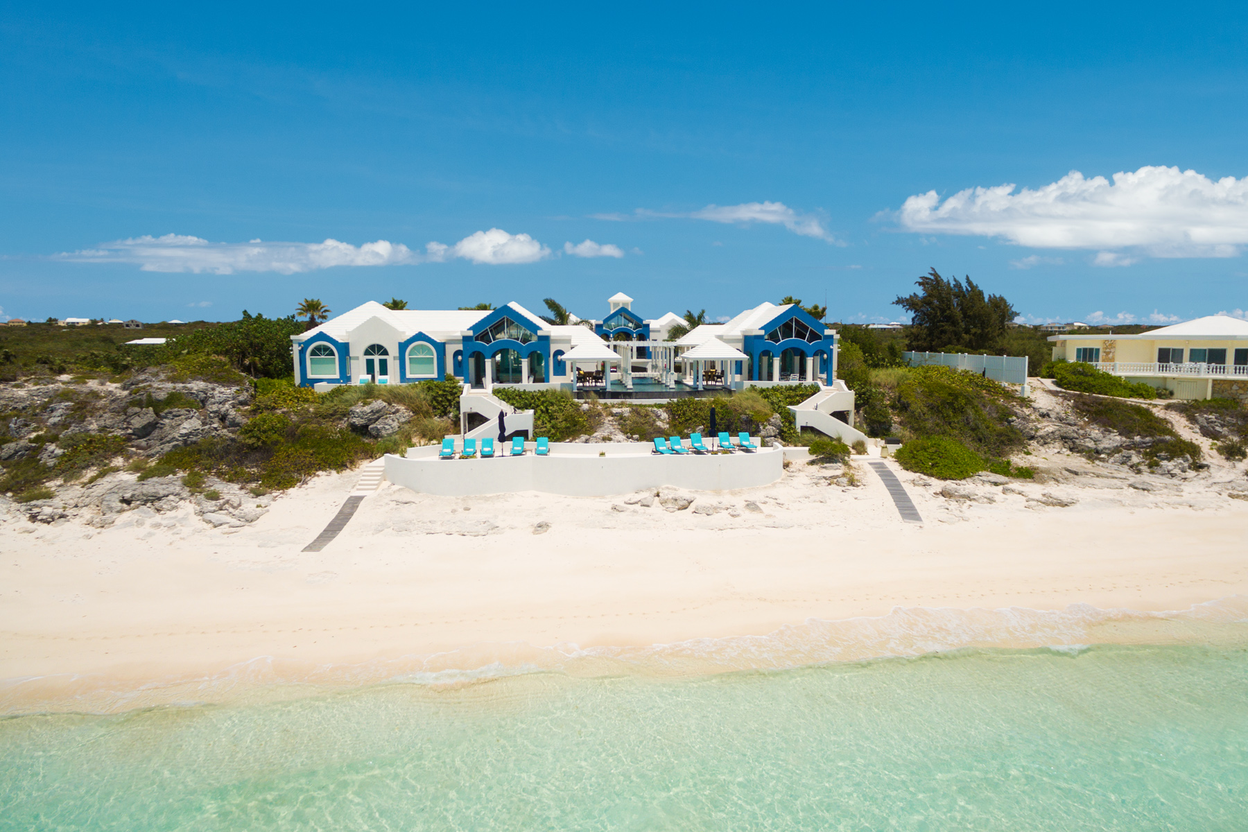 Additional photo for property listing at Mandalay Beachfront Long Bay, Providenciales TCI Islas Turcas Y Caicos