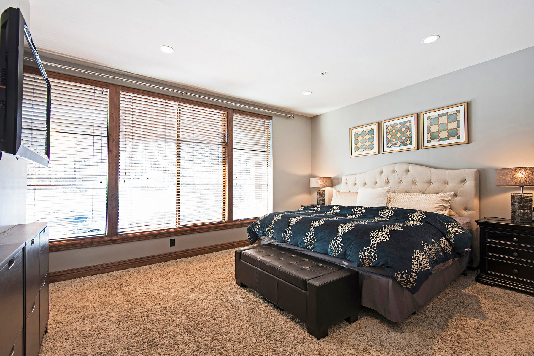 Additional photo for property listing at Recently Remodeled Deer Valley Condo 569 Deer Valley Loop Rd #7 Park City, Utah 84060 United States