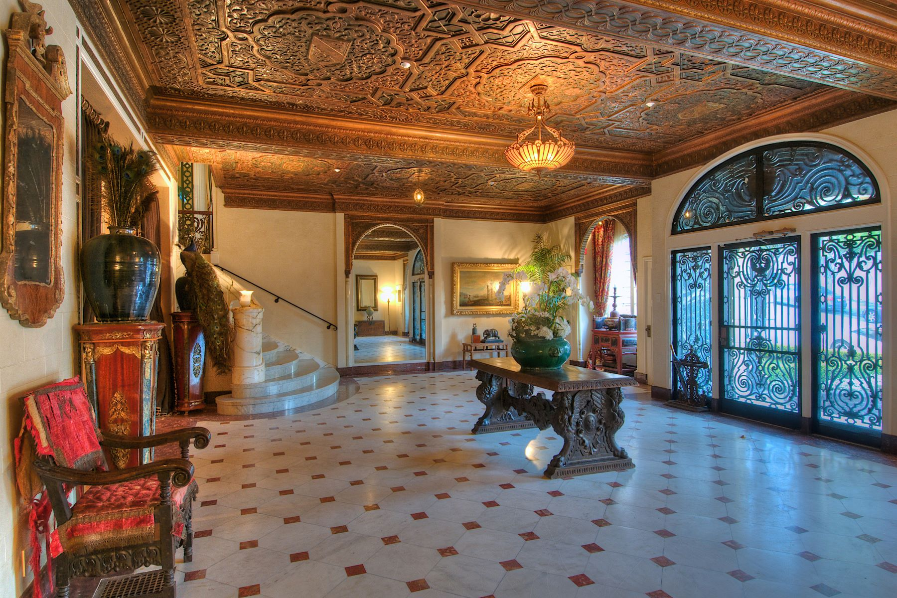 Additional photo for property listing at Magnificent Grand Mansion in the Heart of SF 2820 Scott Street San Francisco, カリフォルニア 94123 アメリカ合衆国
