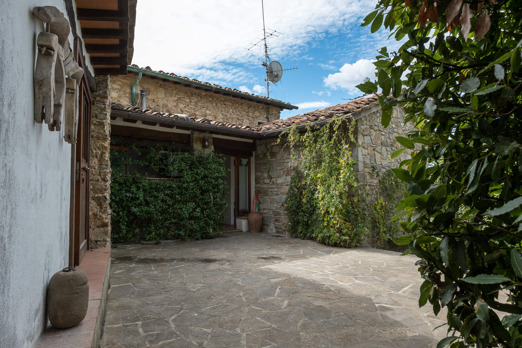 Additional photo for property listing at Farmhouse with swimming pool and lovely views over Florence San Donato in Collina Bagno A Ripoli, Florence 50012 Italy