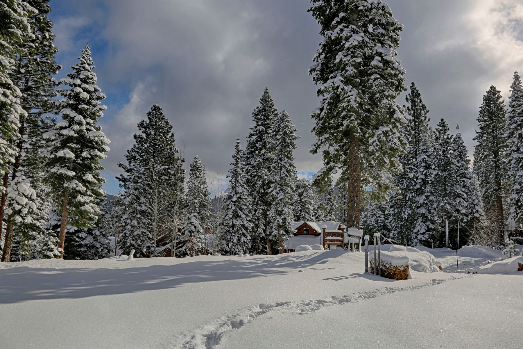 Additional photo for property listing at 2110 Eagle Feather  Truckee, California 96161 Estados Unidos