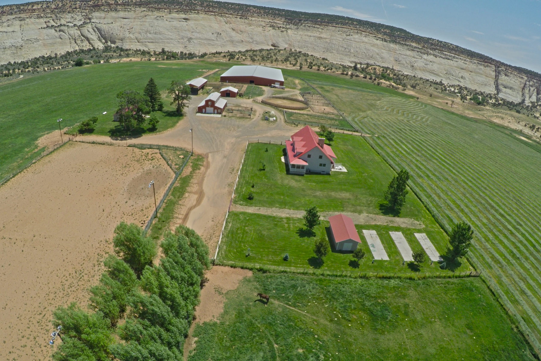 Farm / Ranch / Plantation للـ Sale في A Utah Cattle and Equestrian Legacy Ranch Offering 2405 Lower Boulder Rd Boulder, Utah 84716 United States
