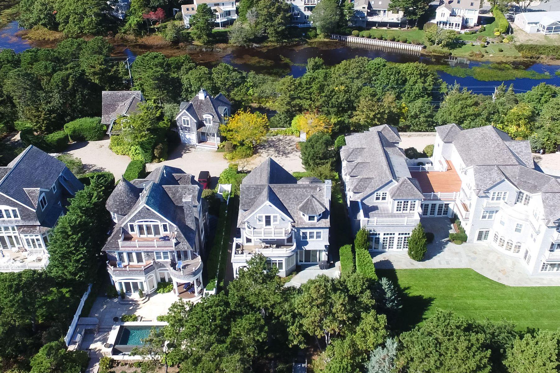 Maison unifamiliale pour l Vente à EXQUISITE BEACH FRONT 23 Ocean Bluff Drive New Seabury, Massachusetts, 02649 États-UnisDans/Autour: Mashpee