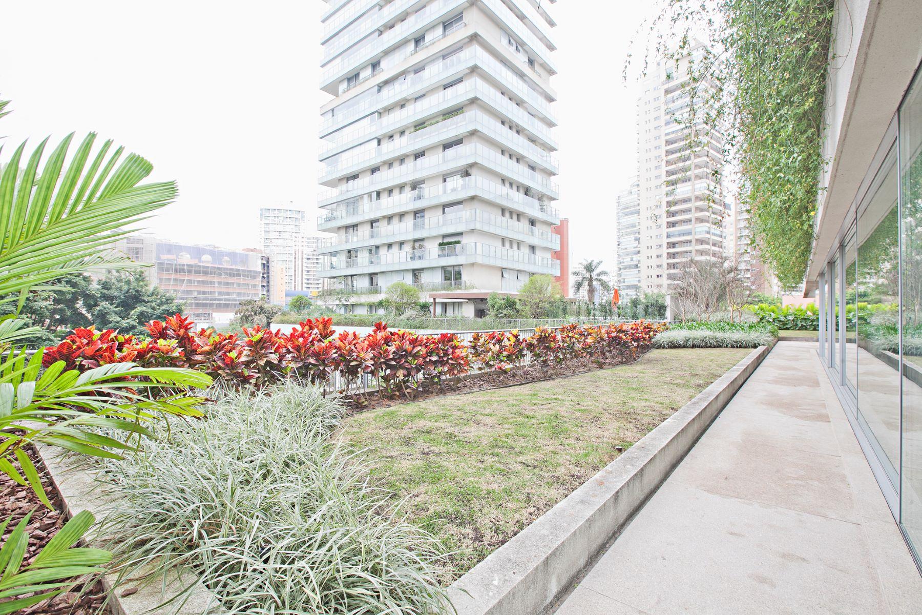 Vivienda unifamiliar por un Venta en Duplex Garden Avenida Hélio Pellegrino Sao Paulo, Sao Paulo, 04513100 Brasil