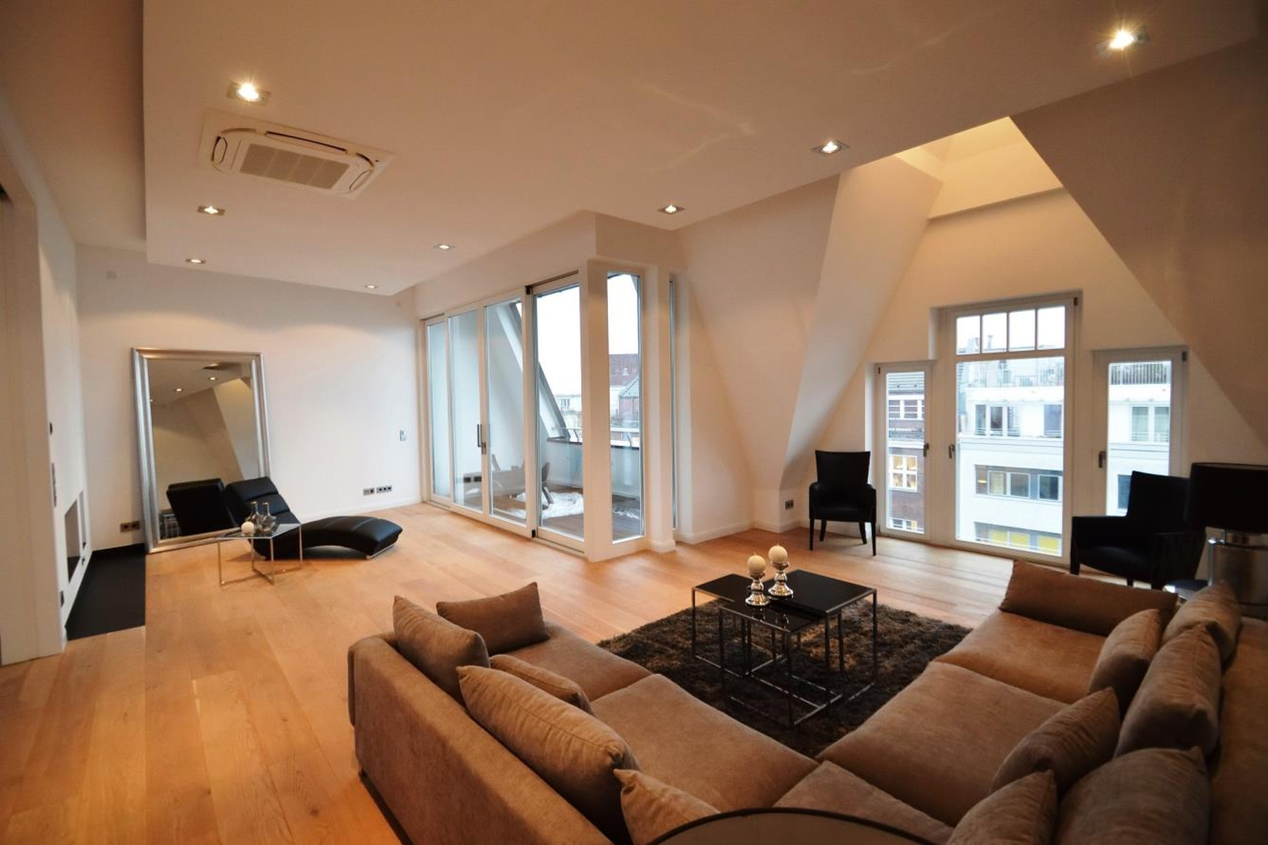 Appartement pour l Vente à Luxuriously developed Penthouse with Rooftop Terrace! Berlin, Berlin, 10707 Allemagne