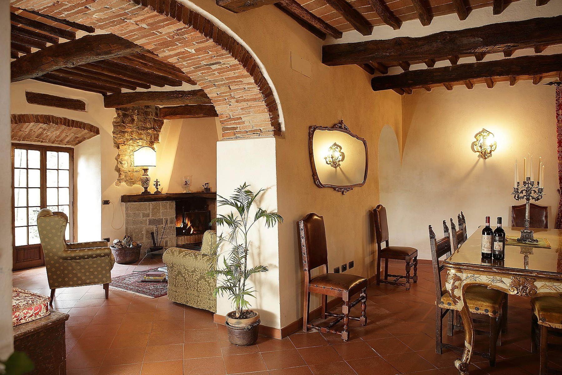 Additional photo for property listing at Exclusive manoir in the heart of Chianti Classico Gaiole in Chianti Gaiole In Chianti, Siena 53013 Italia