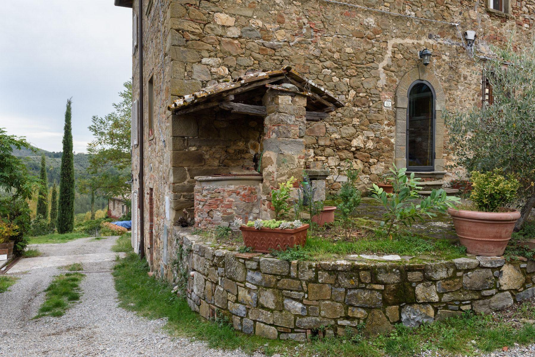 Additional photo for property listing at Maison independent  à deux niveaux avec dependance et olivaire privé Loc. Bricciano Gaiole In Chianti, Siena 53013 Italie
