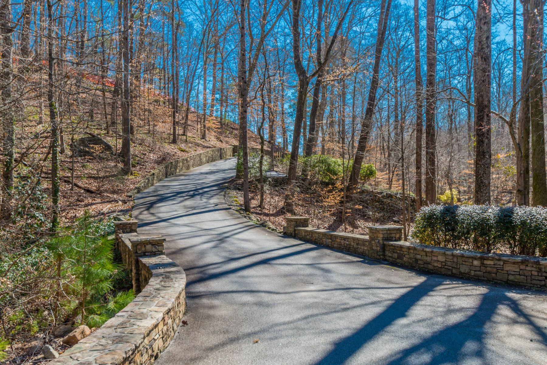 Land for Sale at Magnificent Estate Lot 971 Crest Valley Drive Atlanta, Georgia, 30327 United States