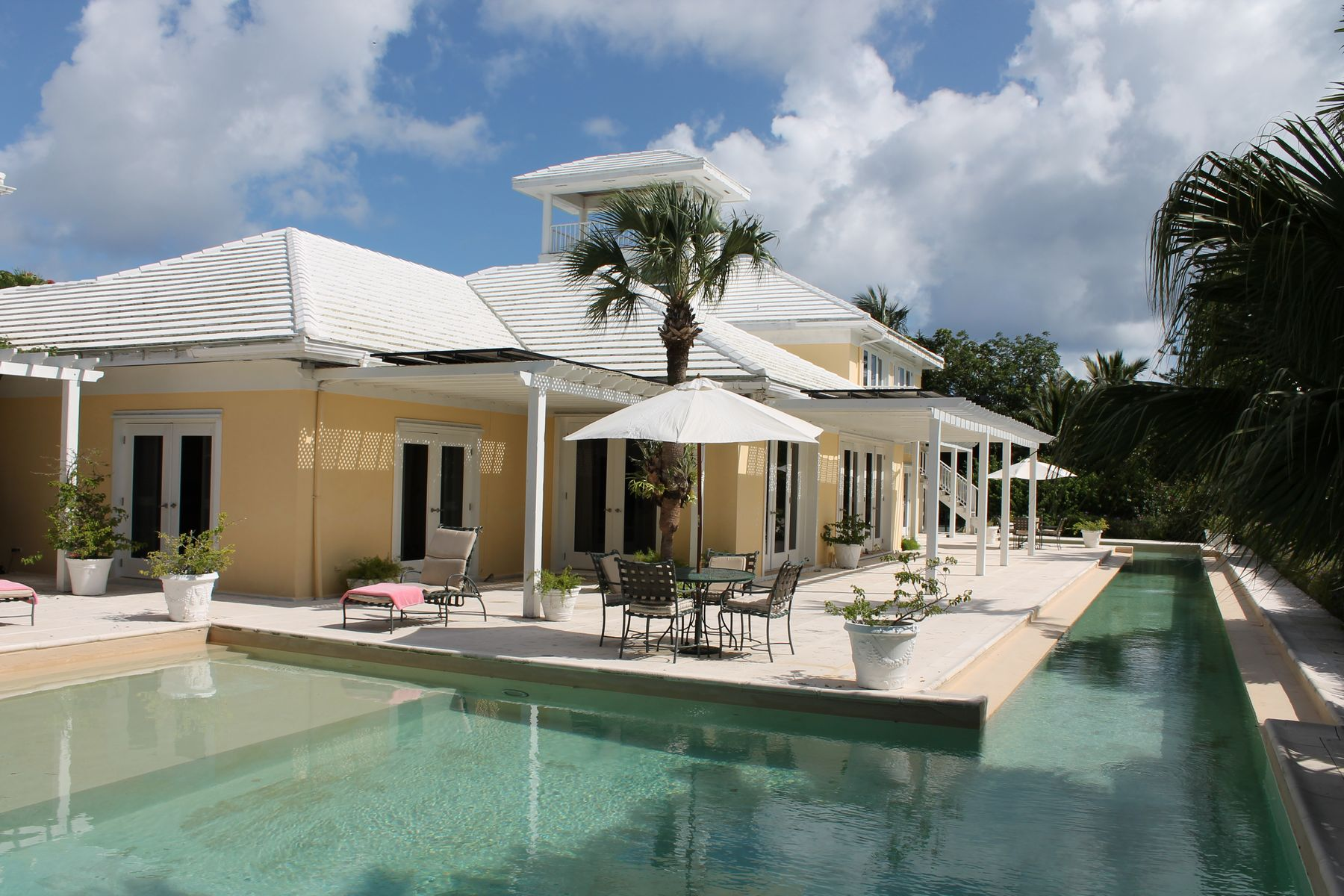 Additional photo for property listing at COURTSIDE Other Bahamas, Otras Áreas En Las Bahamas Bahamas
