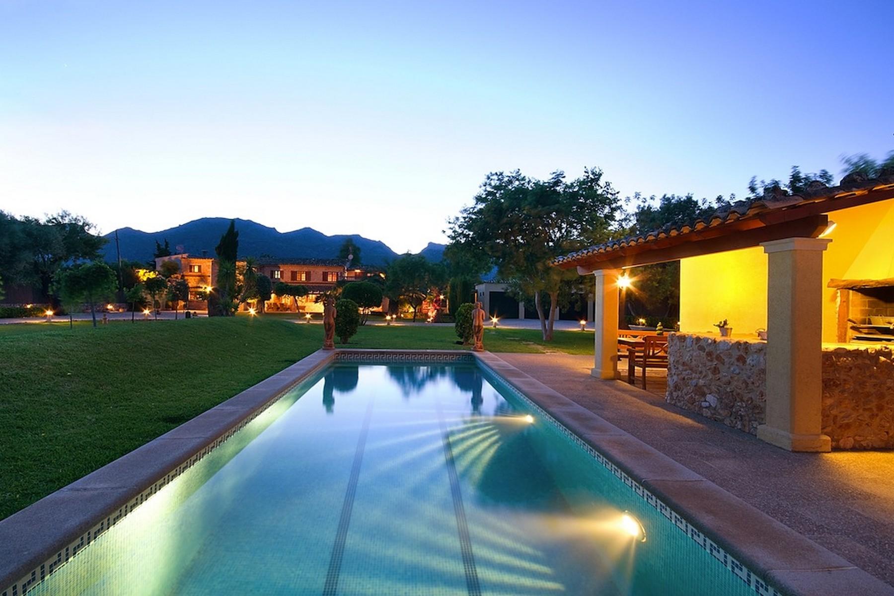 Частный односемейный дом для того Продажа на Majorcan villa in Pollensa Pollensa, Майорка, 07157 Испания