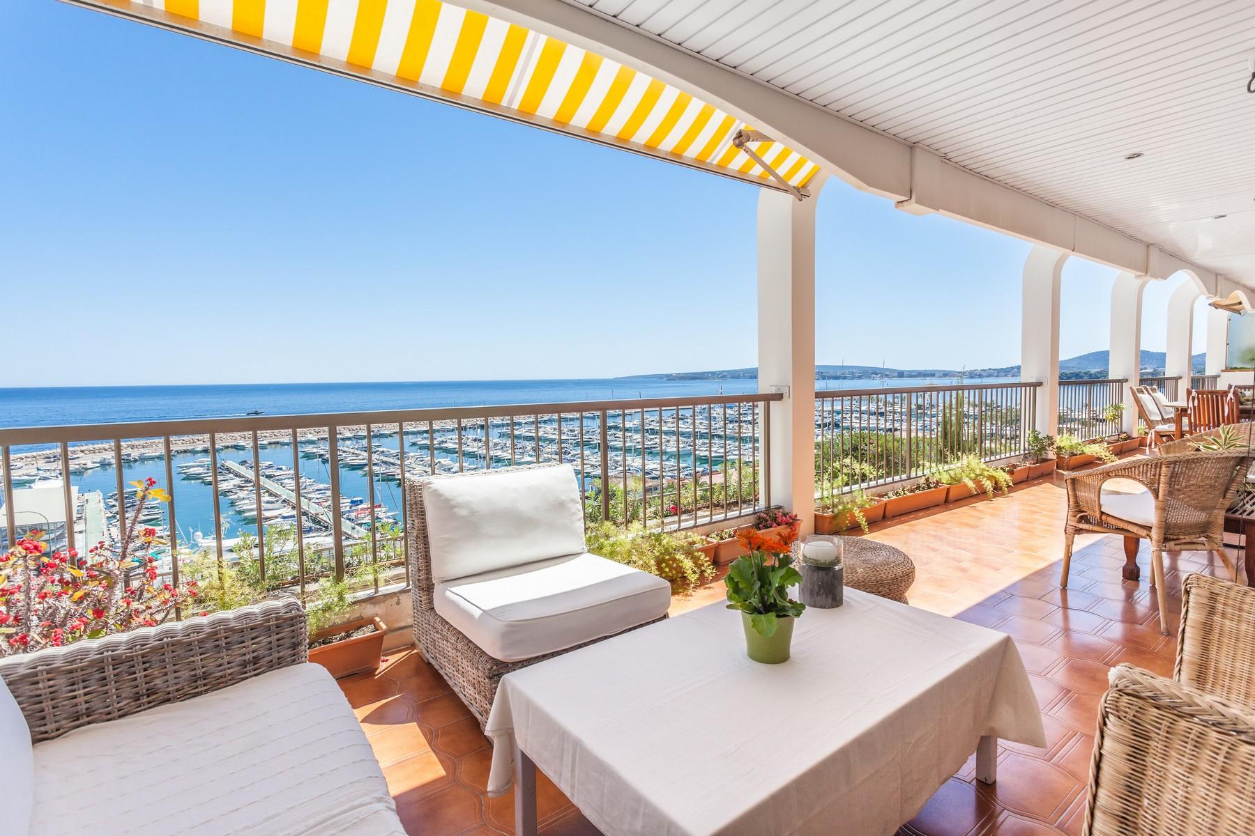 公寓 为 销售 在 Luxury apartment overlooking Puerto Portals Marina 波塔尔寺, 马洛卡, 07181 西班牙