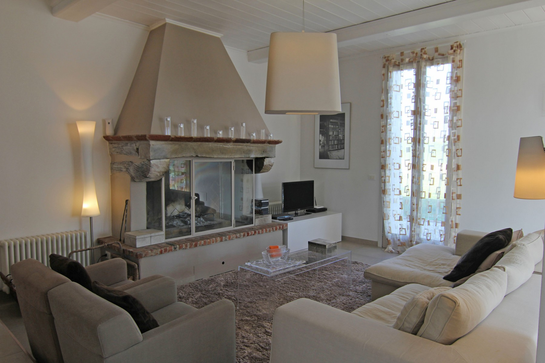 Additional photo for property listing at Formidable Villa en Style Country-chic Pozzo Della Chiana, Arezzo Italie