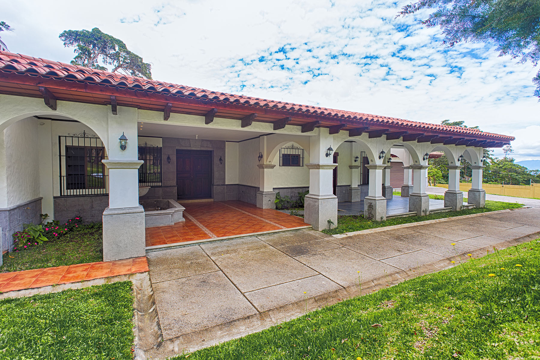 Single Family Home for Sale at Refugio del Bosque en el Castillo San Rafael, Costa Rica
